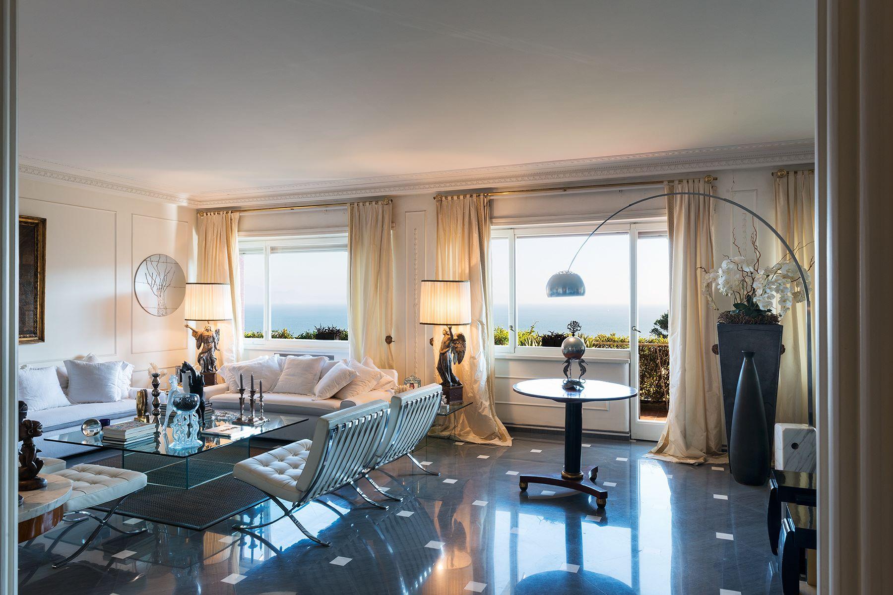 Appartamento per Vendita alle ore Magnifico appartamento di charme a Posillipo Via Francesco Petrarca Napoli, Napoli 80122 Italia