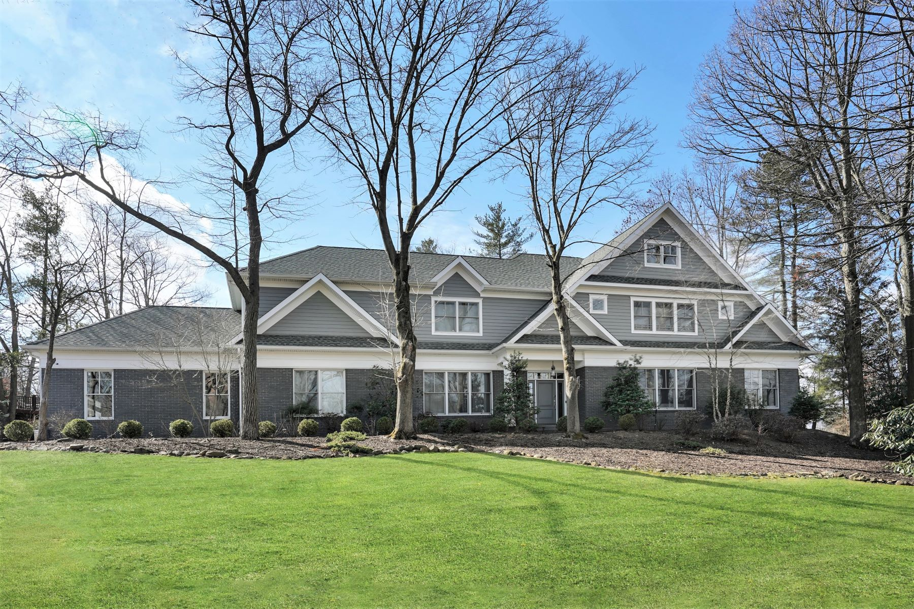 Single Family Homes for Sale at Modern and Chic 25 Lawrence Drive Short Hills, New Jersey 07078 United States