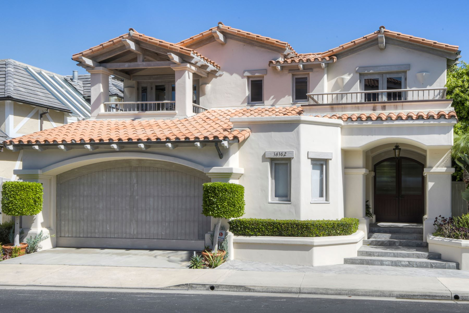 Single Family Homes para Venda às 34382 Port Lantern, Dana Point Dana Point, Califórnia 92629 Estados Unidos