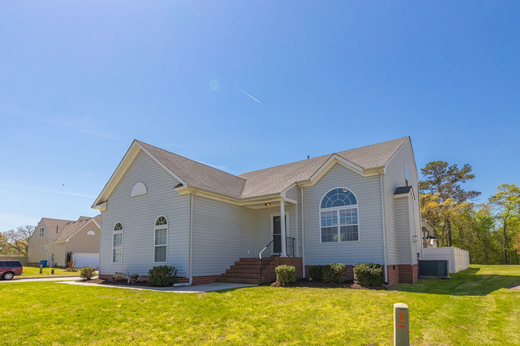 Single Family Home for Sale at KINGS GATE 3200 Honey Flower Court Chesapeake, Virginia 23323 United States