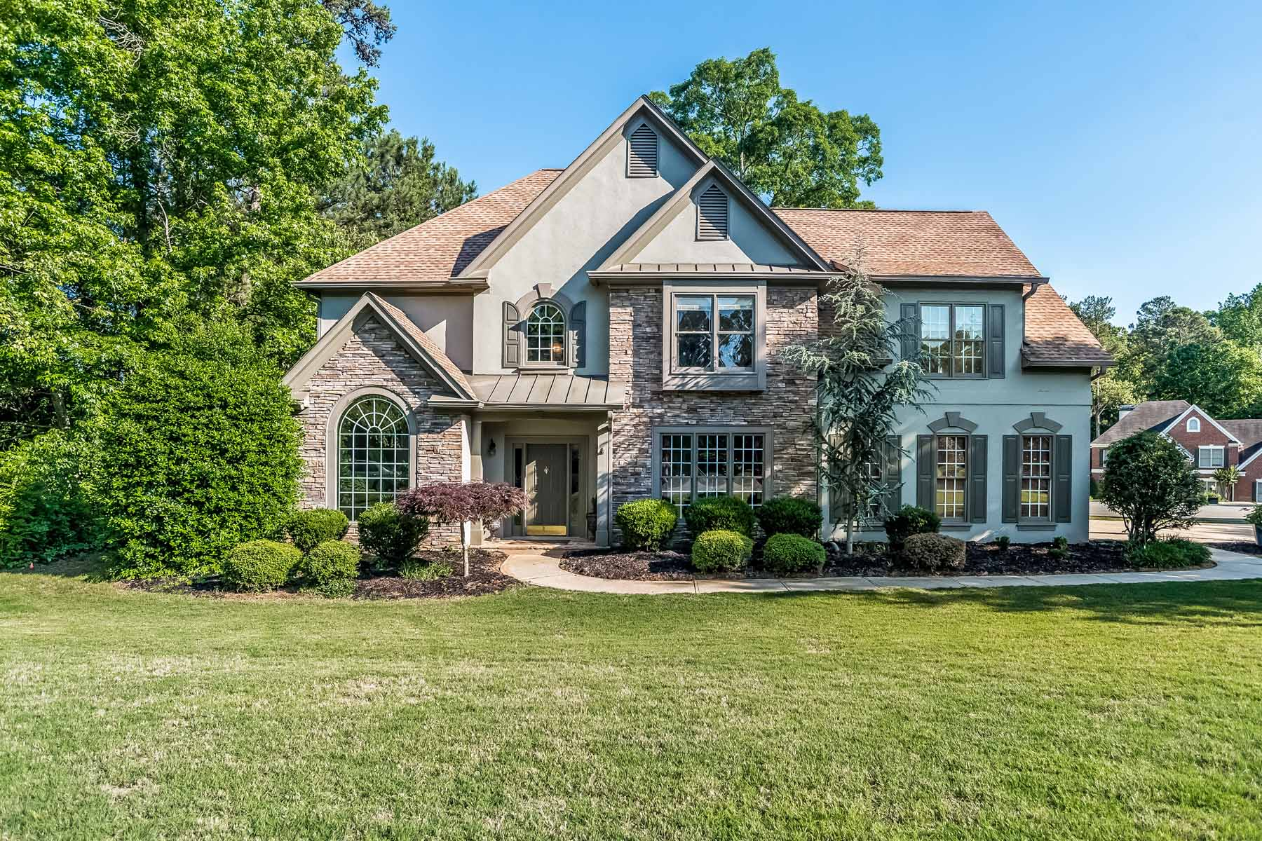 Villa per Vendita alle ore Magnificent Home In Sought After Lexington Woods 270 Leaf Ct Alpharetta, Georgia, 30005 Stati Uniti
