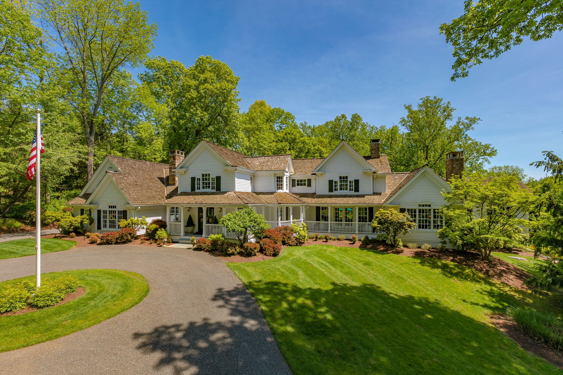 Single Family Homes for Sale at Sophisticated Country Retreat 70 Post Kennel Road Bernardsville, New Jersey 07924 United States