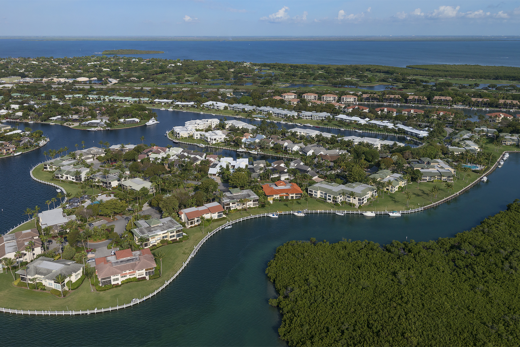 Condomínio para Venda às Waterfront Condominium at Ocean Reef 43 Pumpkin Cay Road, Unit B Ocean Reef Community, Key Largo, Florida, 33037 Estados Unidos