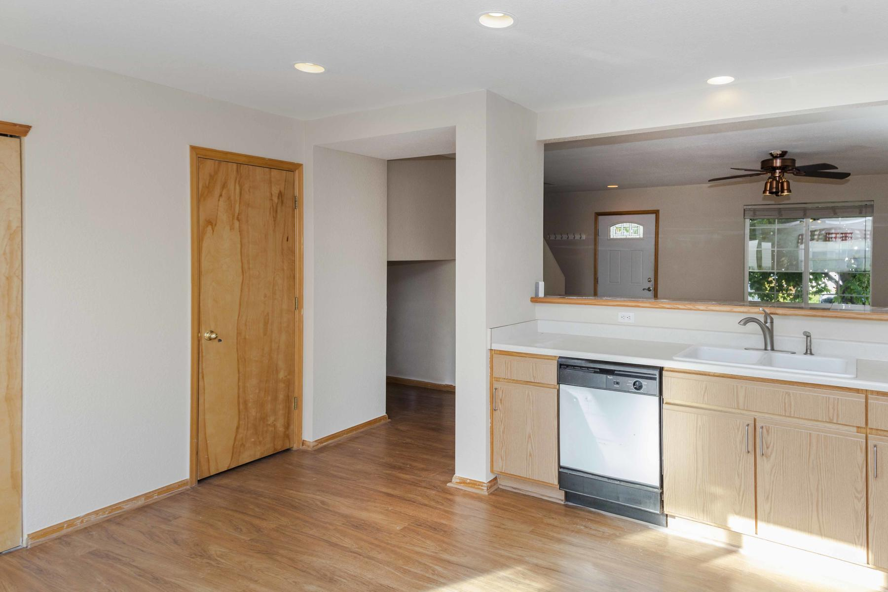 Additional photo for property listing at Perfect First Home Or Investment! 8876 Meade St Westminster, Colorado 80031 United States