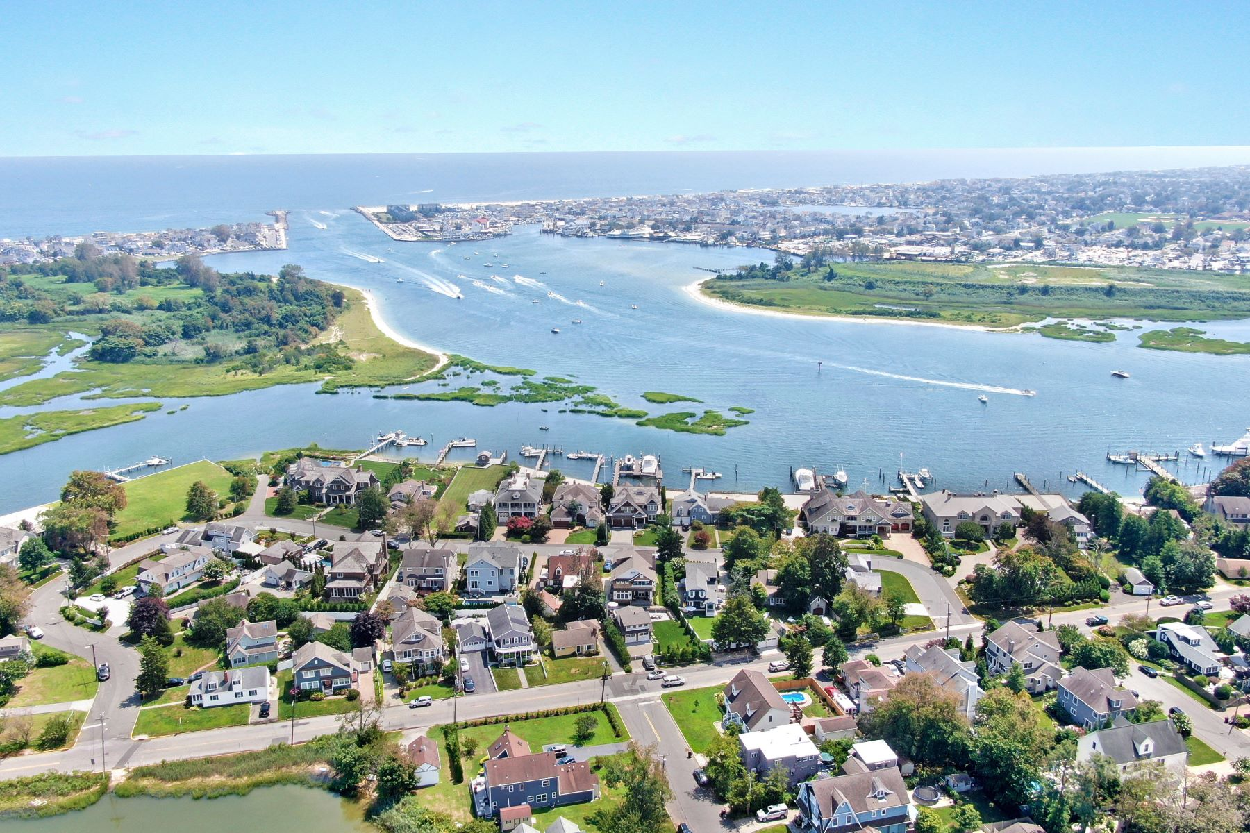 Single Family Homes for Active at Truly Extraordinary Waterfront Opportunity 8 Crescent Drive Brielle, New Jersey 08730 United States