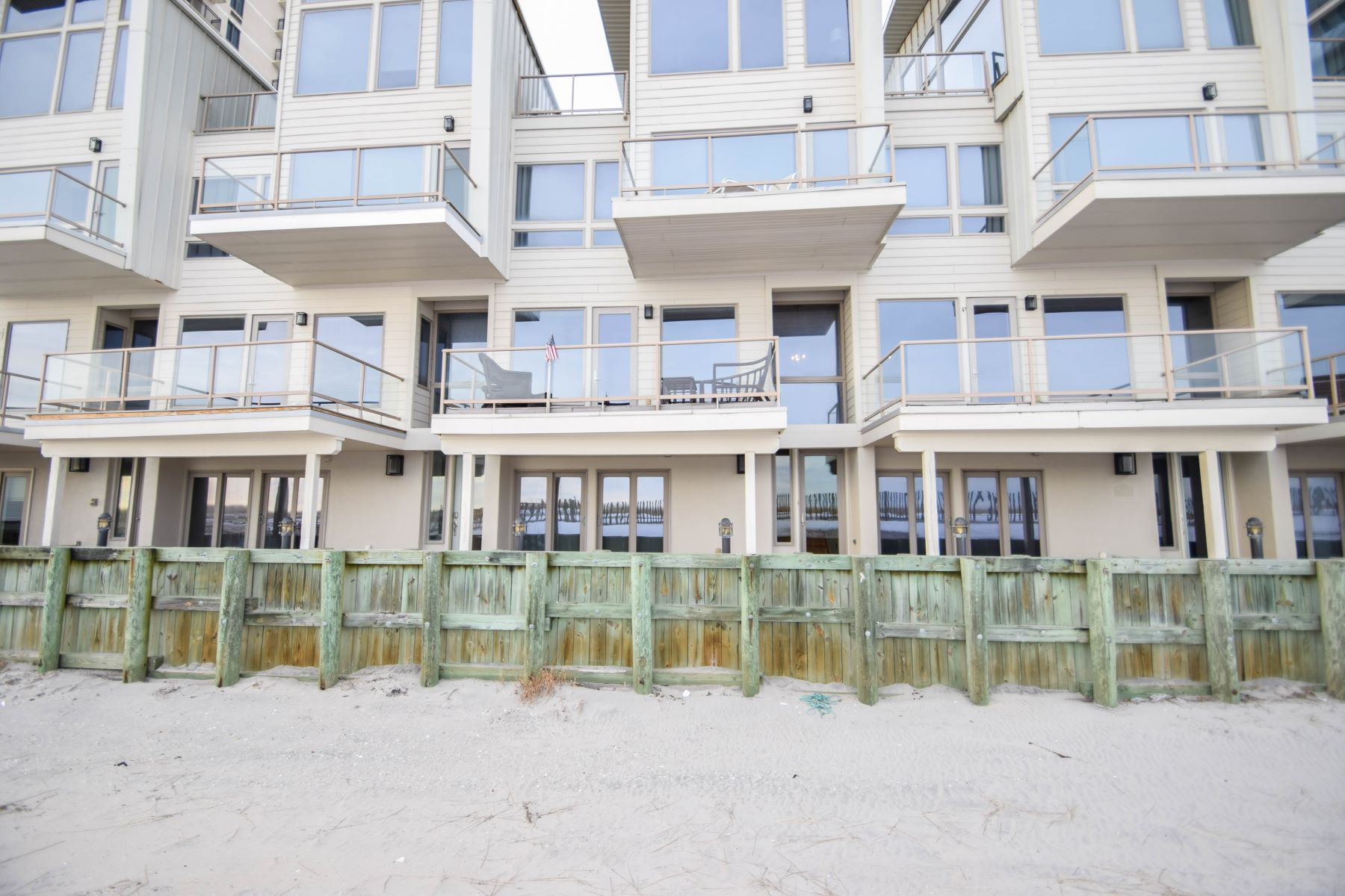 Single Family Home for Rent at 9513 Beach Ave 9513 Beach Ave Split Season 2nd Half, August 2019, Margate, New Jersey 08402 United States
