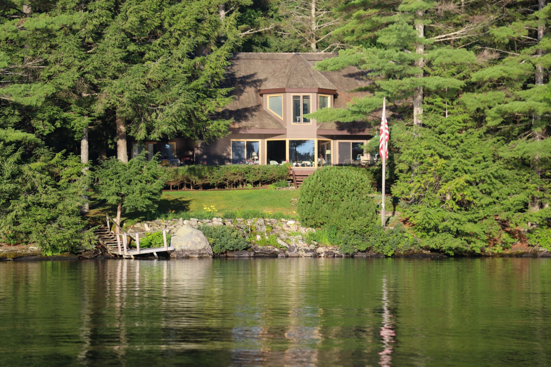 Single Family Homes for Active at 90 Garnet Street Sunapee, New Hampshire 03782 United States