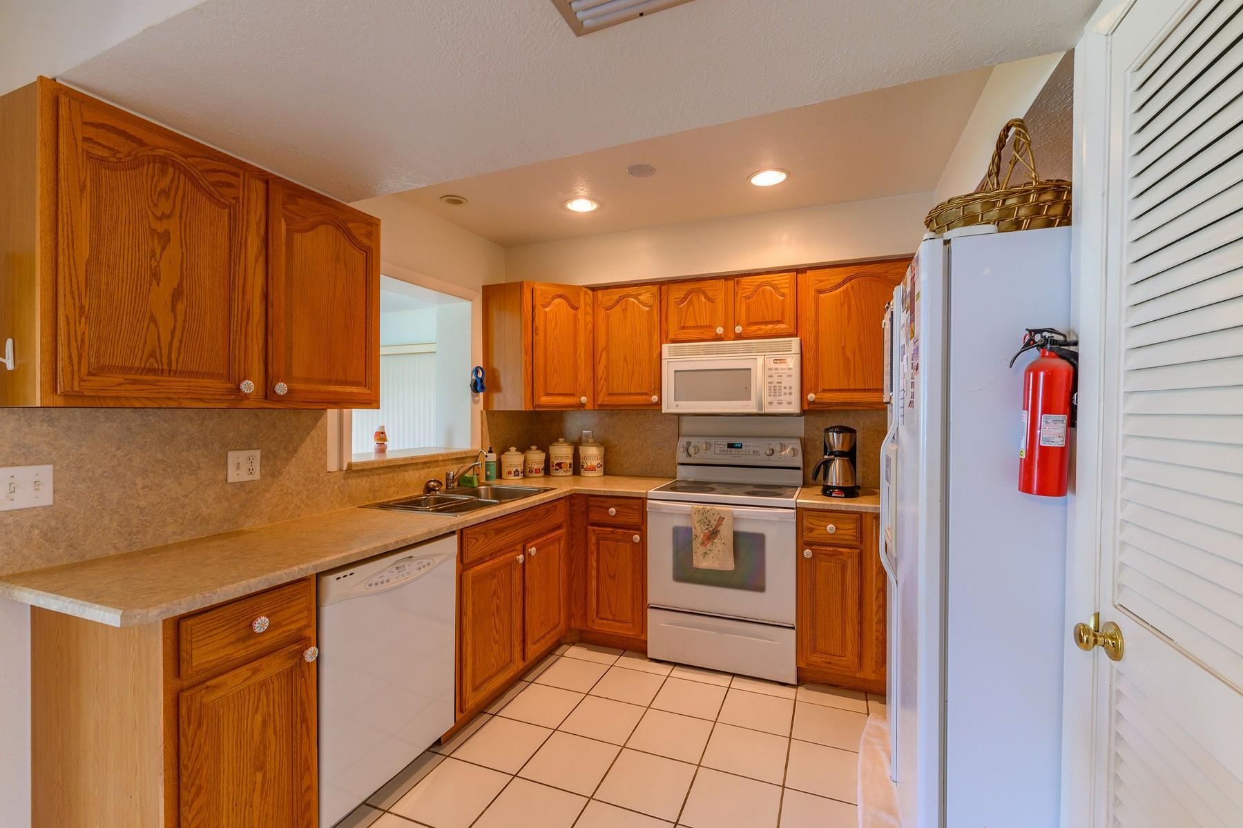 Additional photo for property listing at Port Malabar 701 Cobblestone Lane NE Palm Bay, Florida 32905 United States