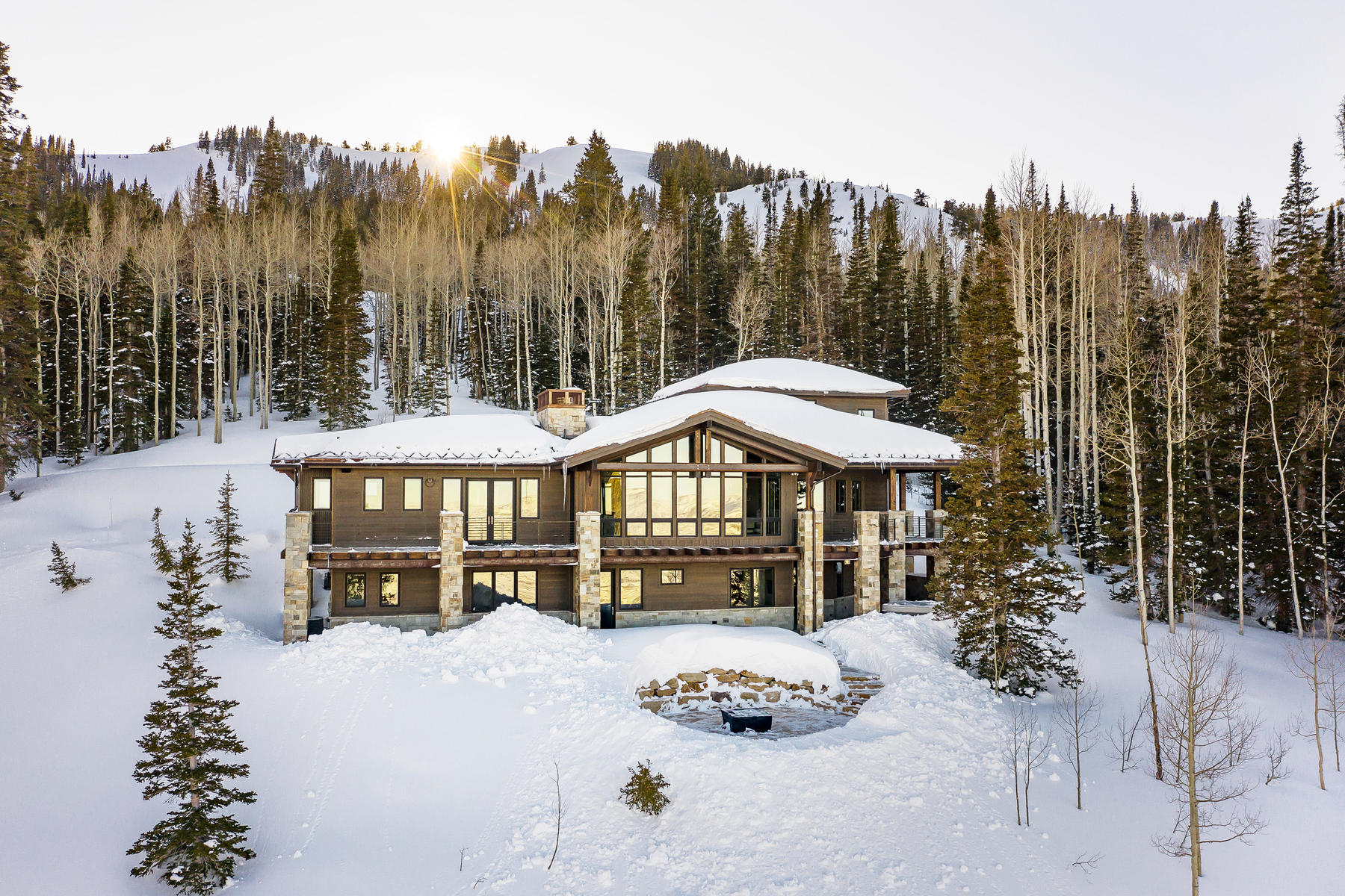 Single Family Homes للـ Sale في Ski-In/Ski-Out Mountain Contemporary Home In The Colony With Spectacular Views 124 White Pine Canyon Rd, Park City, Utah 84060 United States