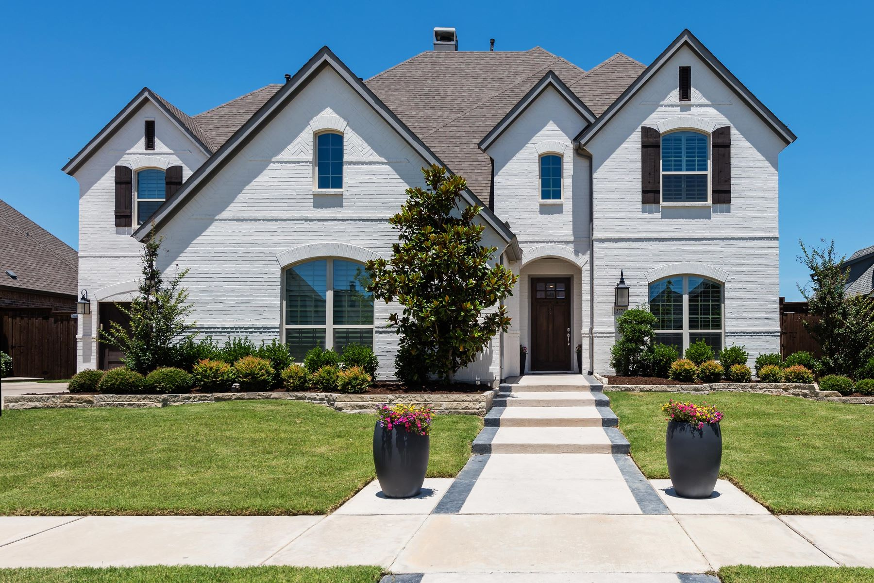 Single Family Homes for Sale at Stylish Park Place Estates Home 3774 Benchmark Lane Frisco, Texas 75034 United States