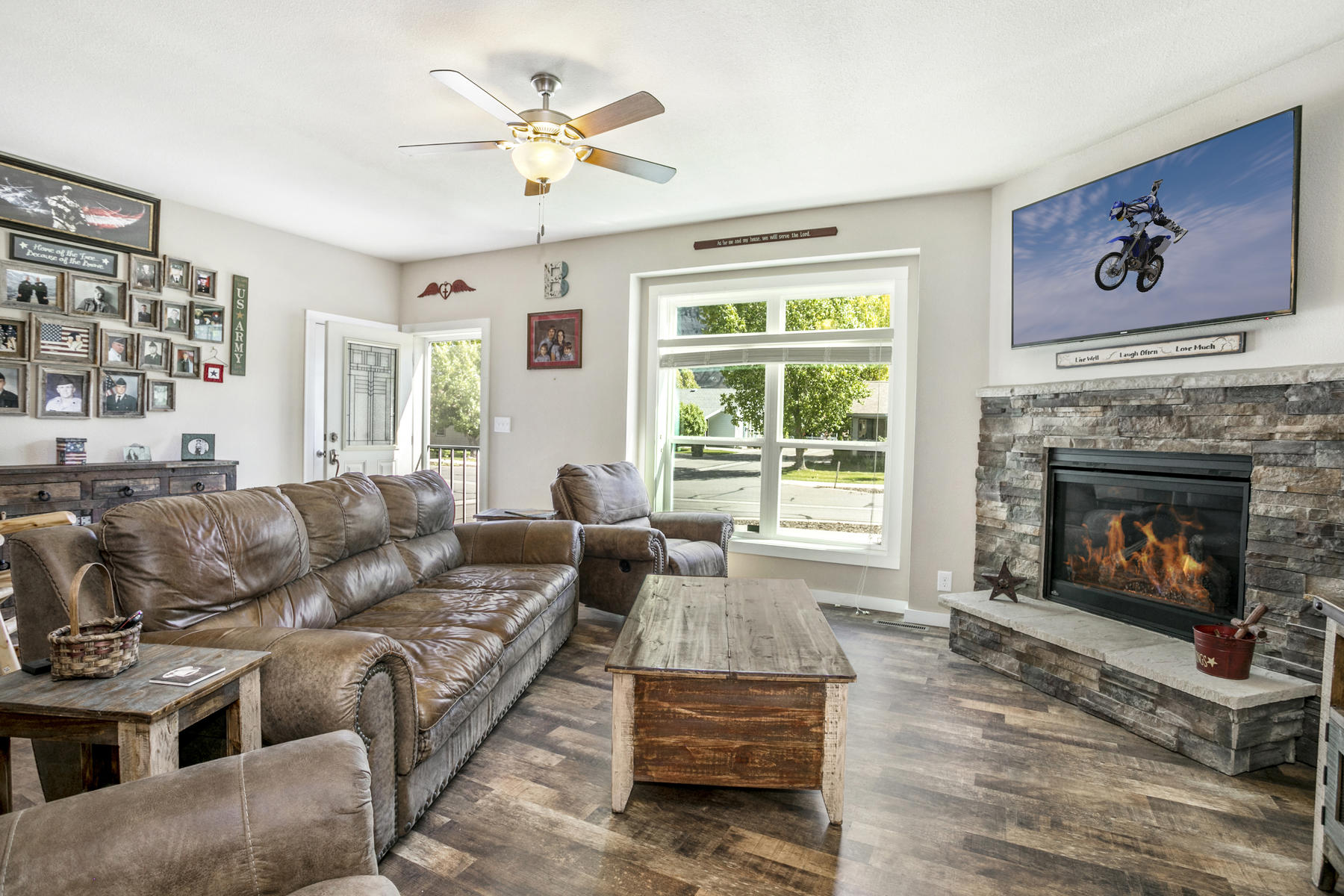 Single Family Home for Active at Upgraded ranch style home in Two Rivers Village 158 Bluegill Loop Gypsum, Colorado 81637 United States