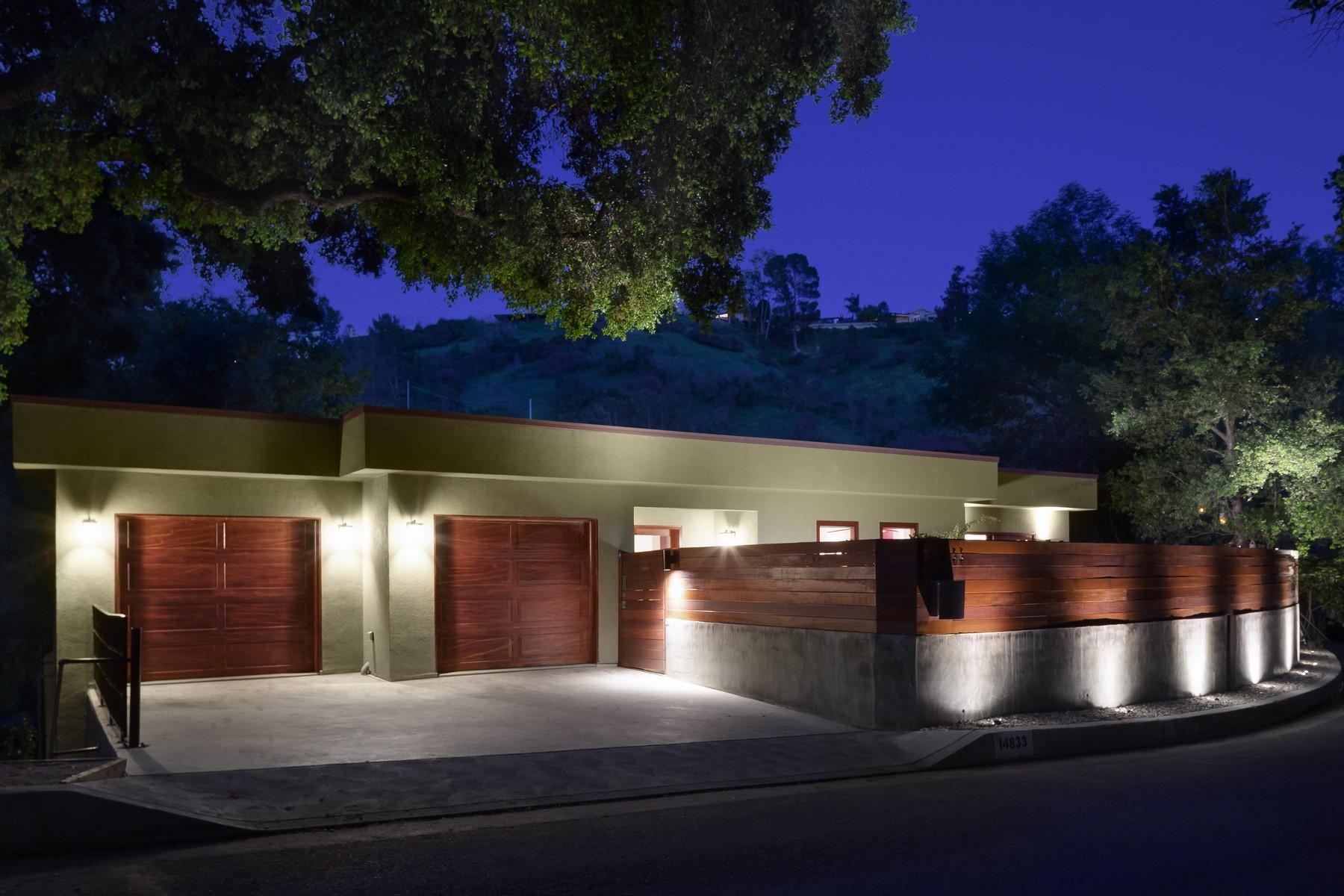 Частный односемейный дом для того Продажа на 14833 Round Valley Dr Sherman Oaks, Калифорния 91403 Соединенные Штаты