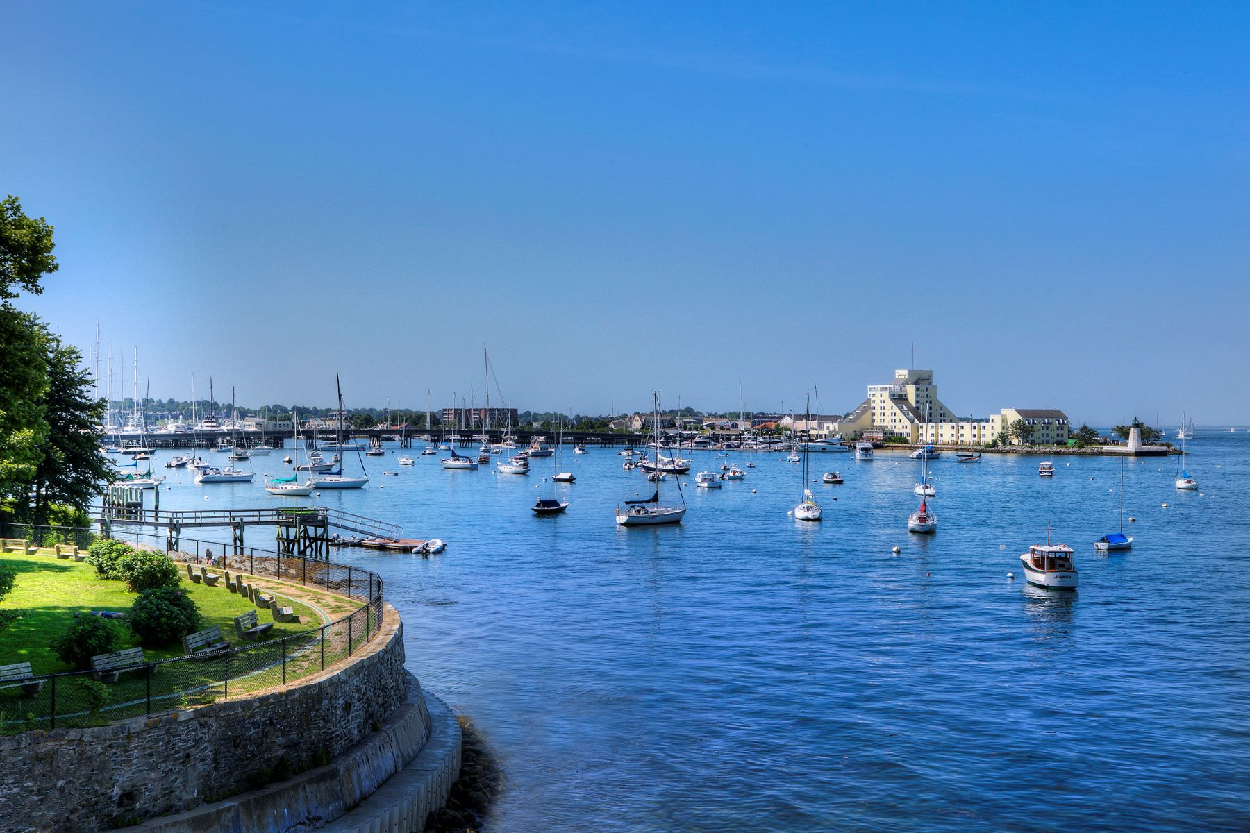 Additional photo for property listing at Waterfront on The Point 108 Washington Street Newport, Rhode Island 02840 United States