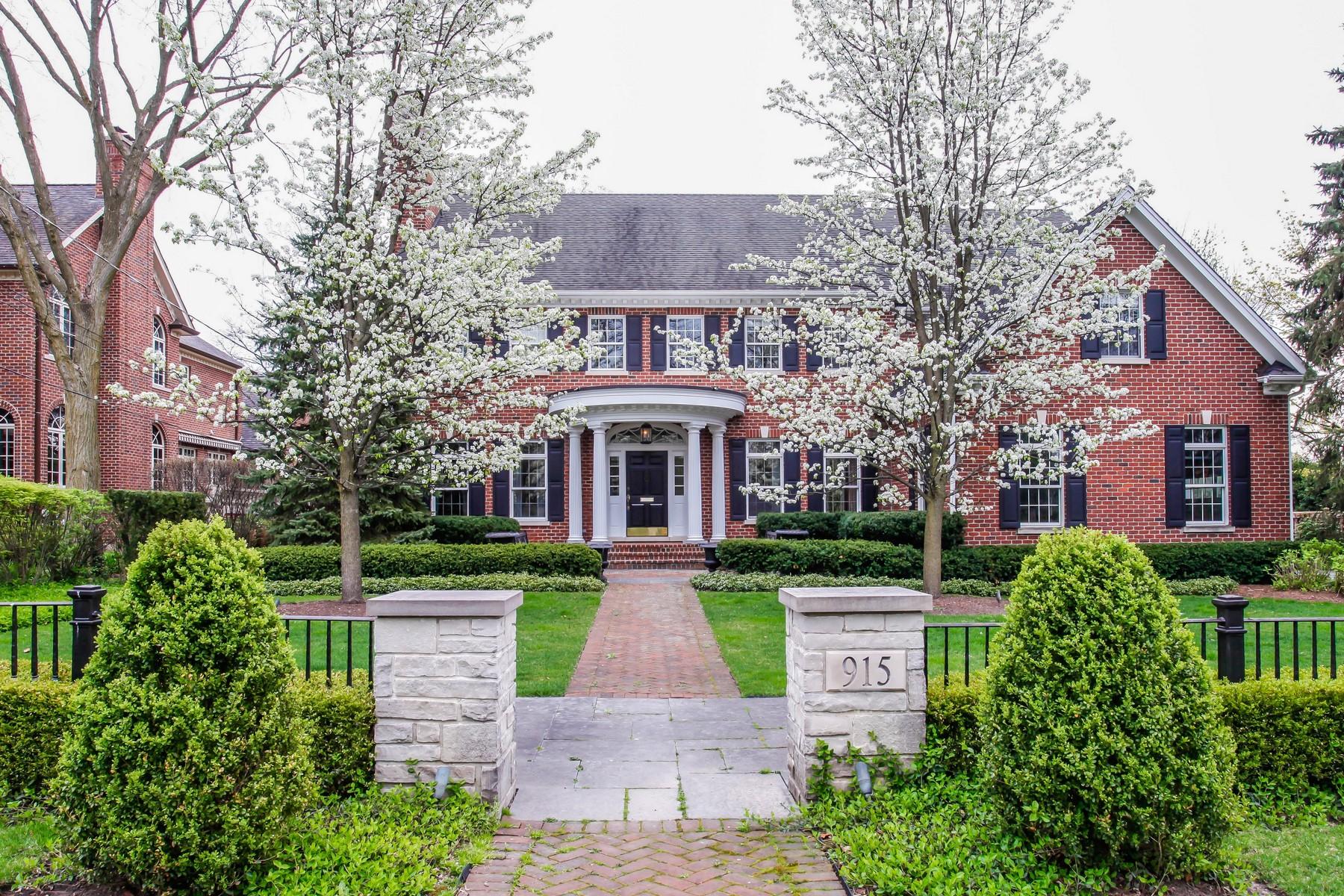 Casa para uma família para Venda às 915 S. Elm 915 S. Elm St. Hinsdale, Illinois, 60521 Estados Unidos