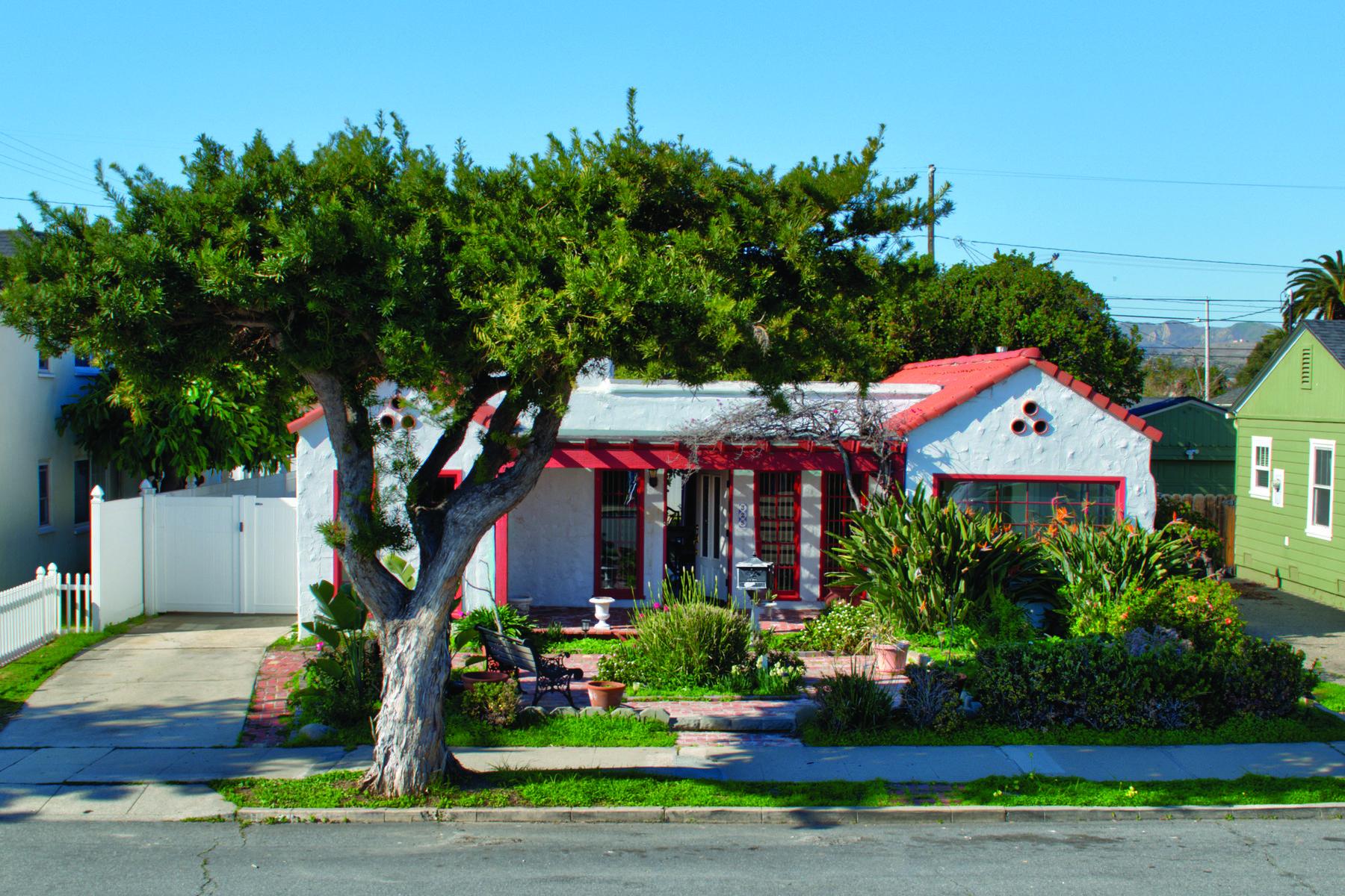 Single Family Homes para Venda às Midtown Spanish 325 Howard Street, Ventura, Califórnia 93003 Estados Unidos