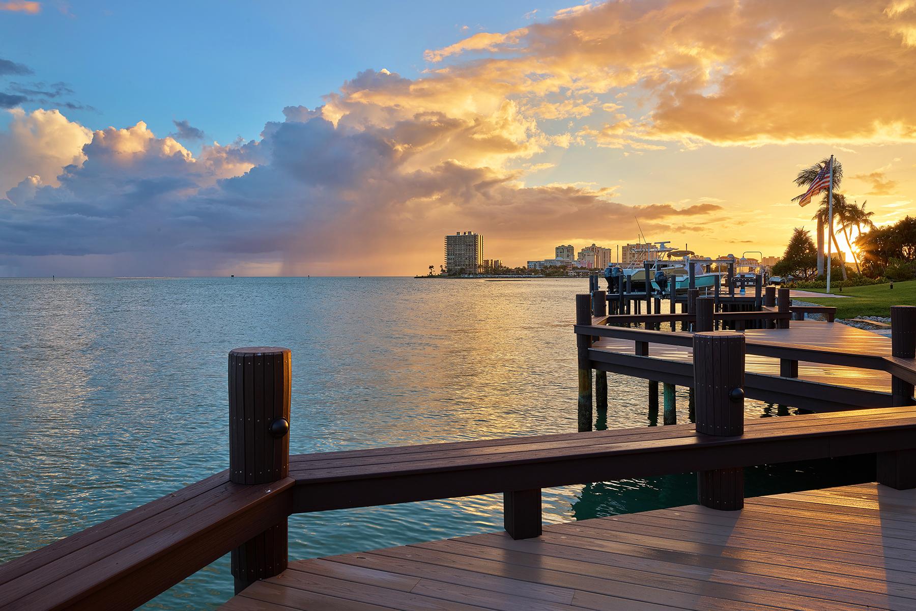Single Family Homes por un Venta en MARCO ISLAND - ESTATES 1471 Caxambas Court, Marco Island, Florida 34145 Estados Unidos
