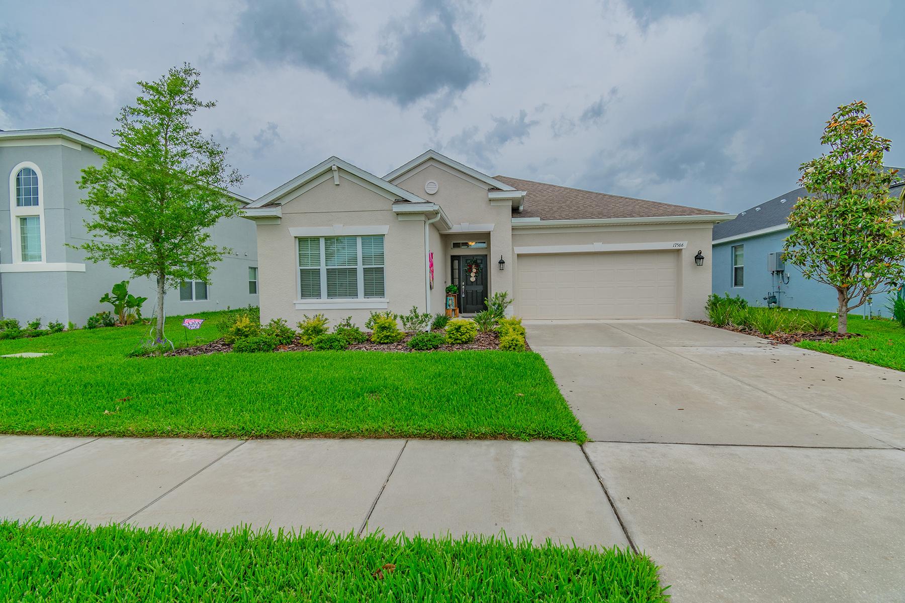 Single Family Homes için Satış at LITHIA 17566 Buckingham Garden Dr, Lithia, Florida 33547 Amerika Birleşik Devletleri