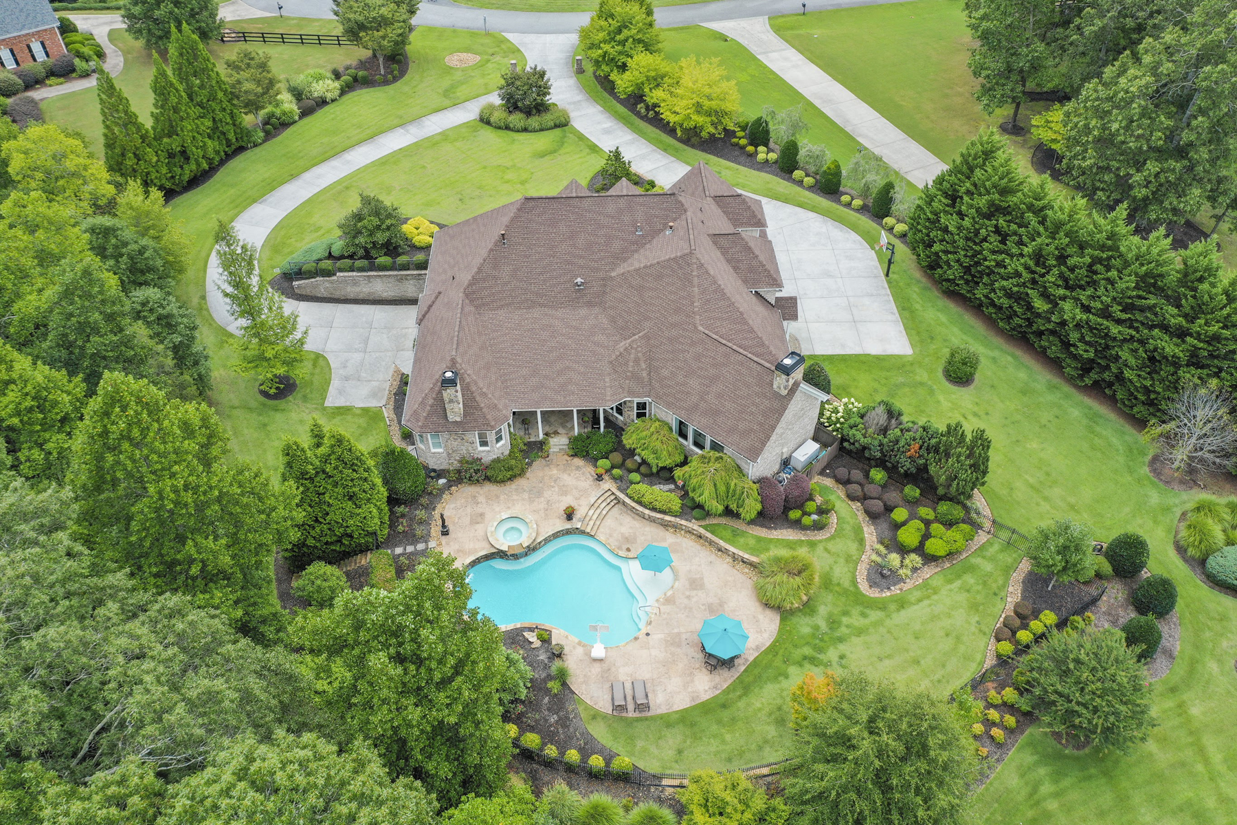 Single Family Homes 용 매매 에 Designer Ranch On Acreage In Canton 223 Savanna Estates Court, Canton, 조지아 30115 미국