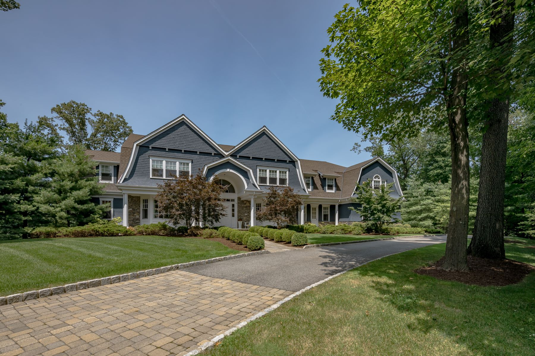 Single Family Homes por un Venta en Spectacular Colonial 79 Wisteria Way Bernardsville, Nueva Jersey 07924 Estados Unidos