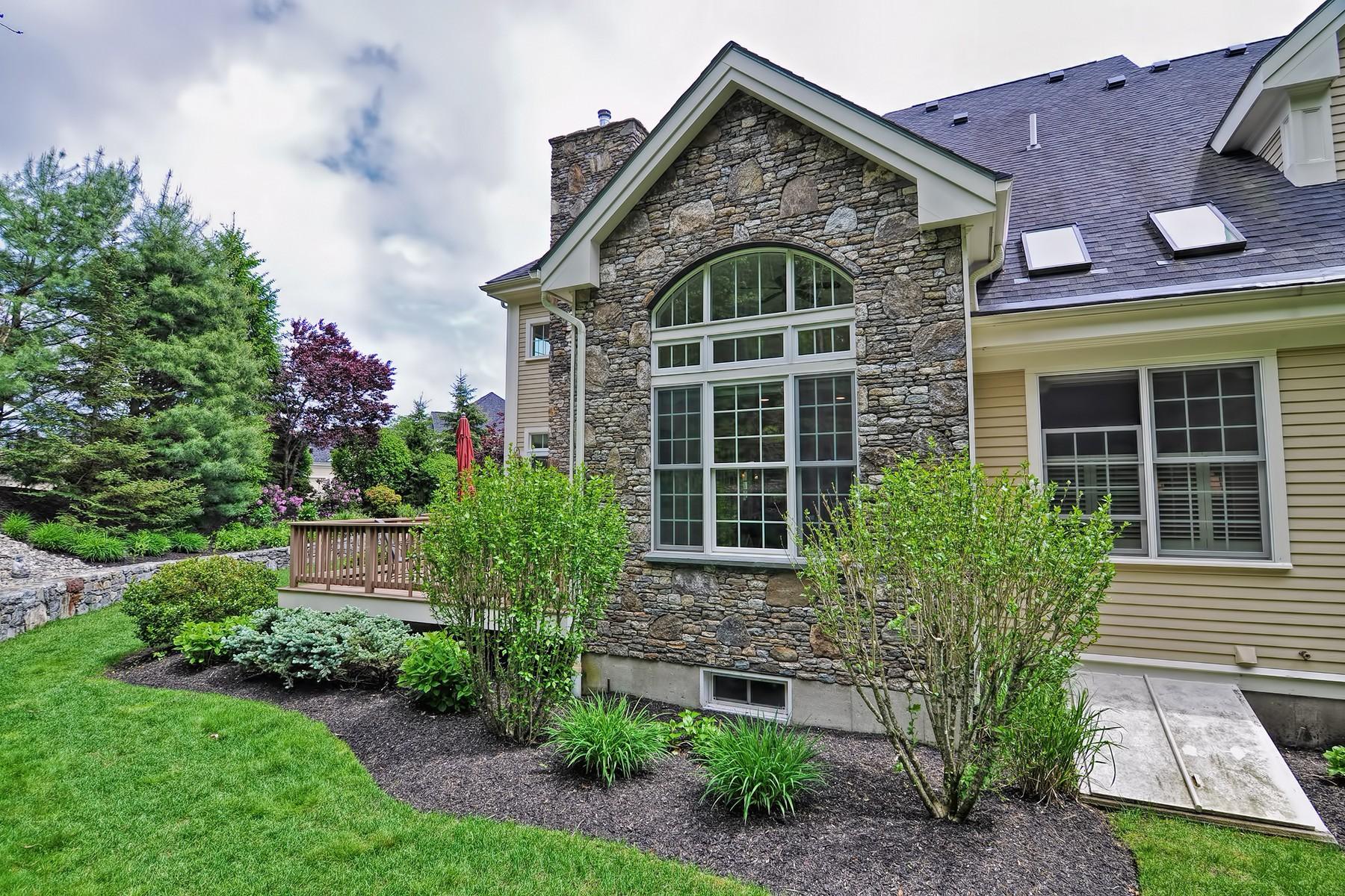 Condomínio para Venda às Luxury Living - Villas At Pleasant Valley 26 Tournament Way, Unit 26 Sutton, Massachusetts, 01590 Estados Unidos