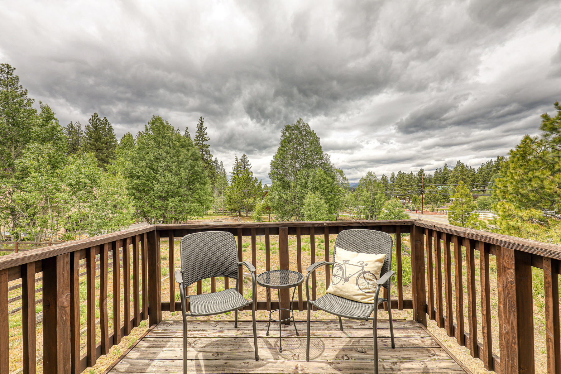 Additional photo for property listing at One Acre Family Compound 14981 Glenshire Drive Truckee, California 96161 United States