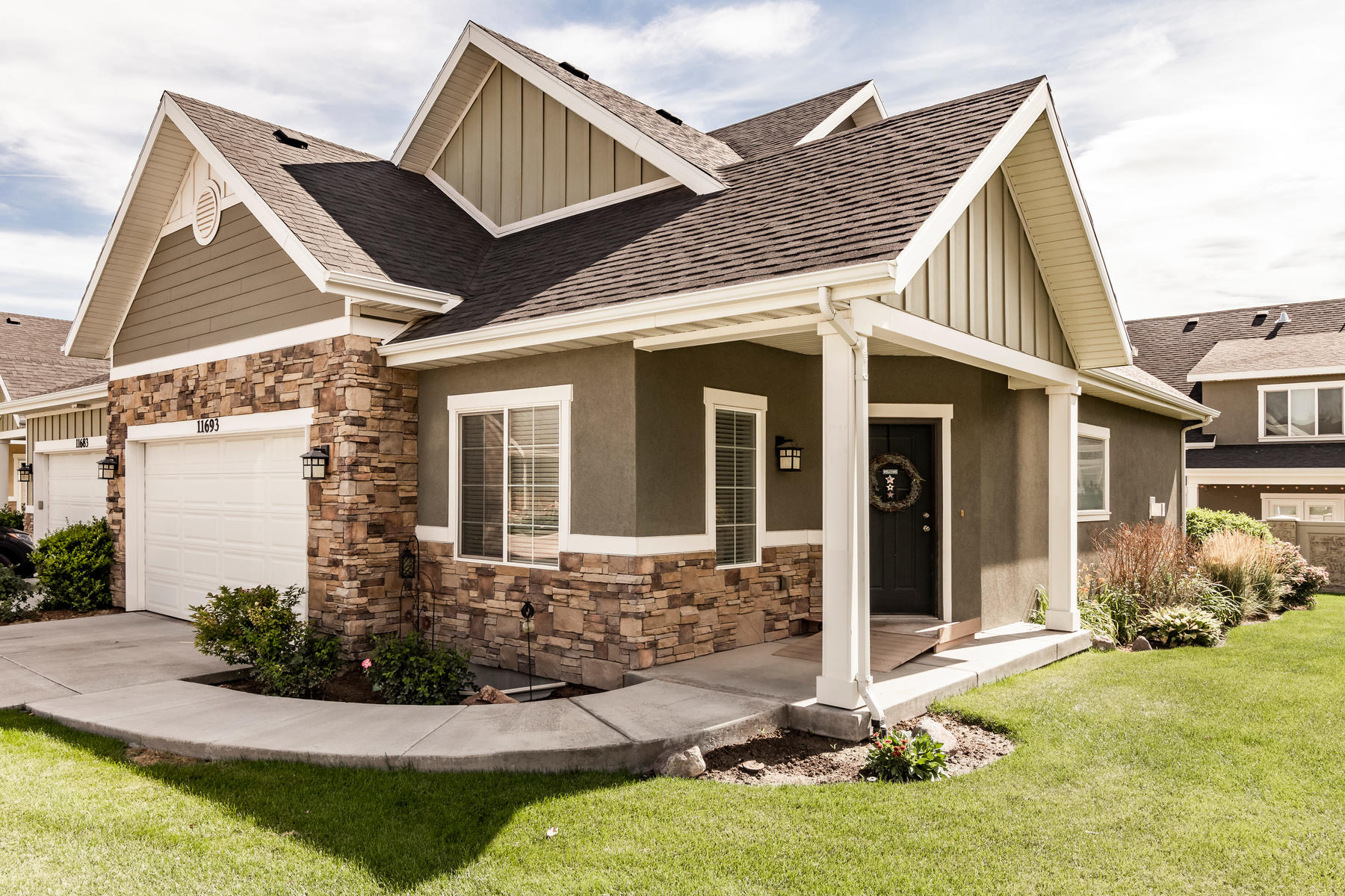 townhouses for Active at Gorgeous Rambler Style Townhome 11693 S Winford Dr Riverton, Utah 84065 United States