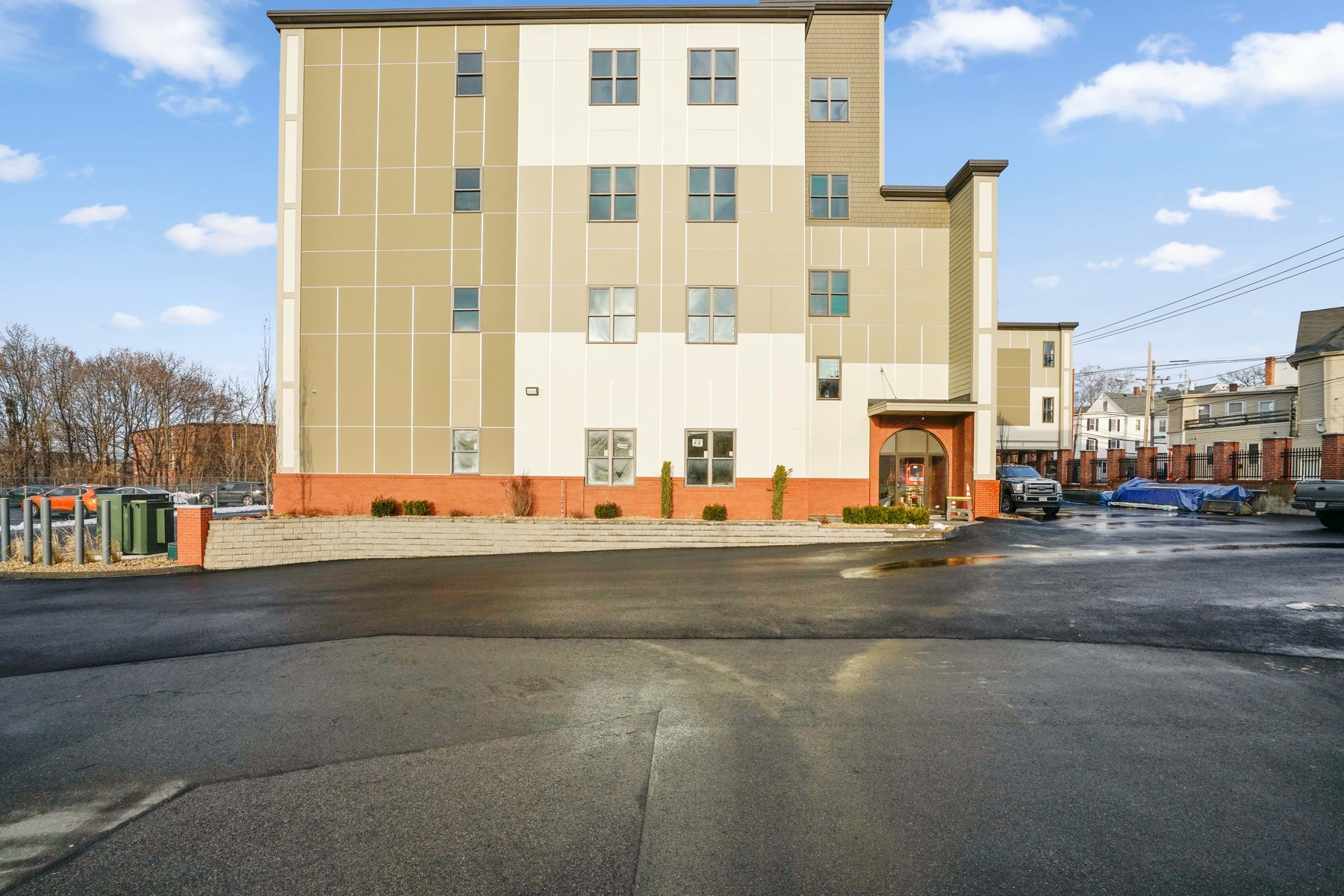 Additional photo for property listing at Mill City Lux apartment for rent 685 Lawrence Street Unit 409 Lowell, Massachusetts 01852 United States