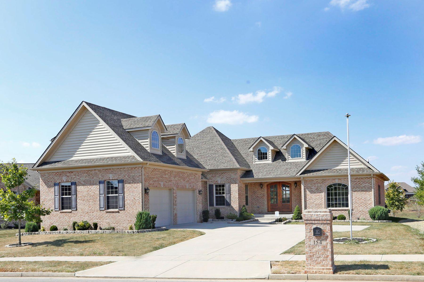 Single Family Homes pour l Vente à 154 Sunningdale Drive Georgetown, Kentucky 40324 États-Unis