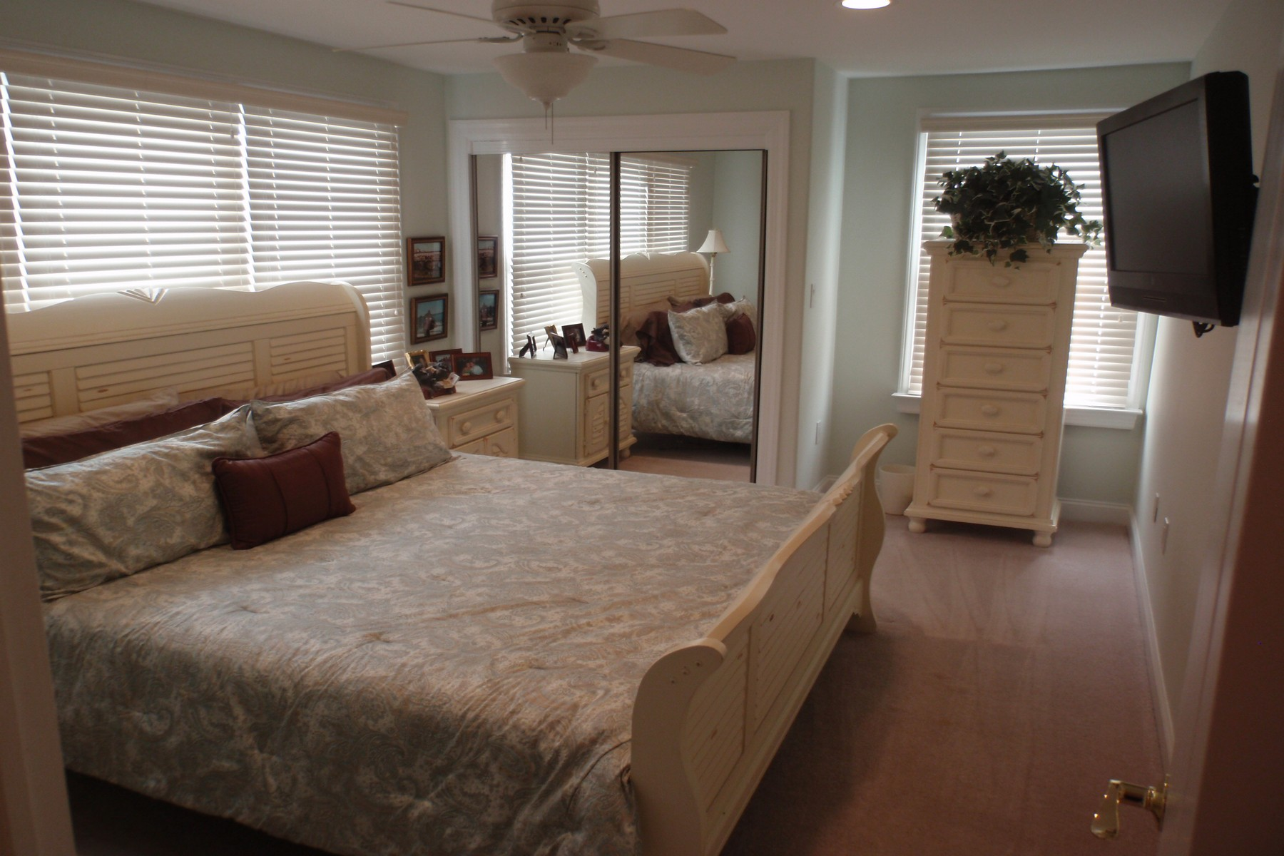 Additional photo for property listing at 9200 Monmouth Avenue, Unit A 9200 Monmouth Avenue Unit A Margate, New Jersey 08402 United States