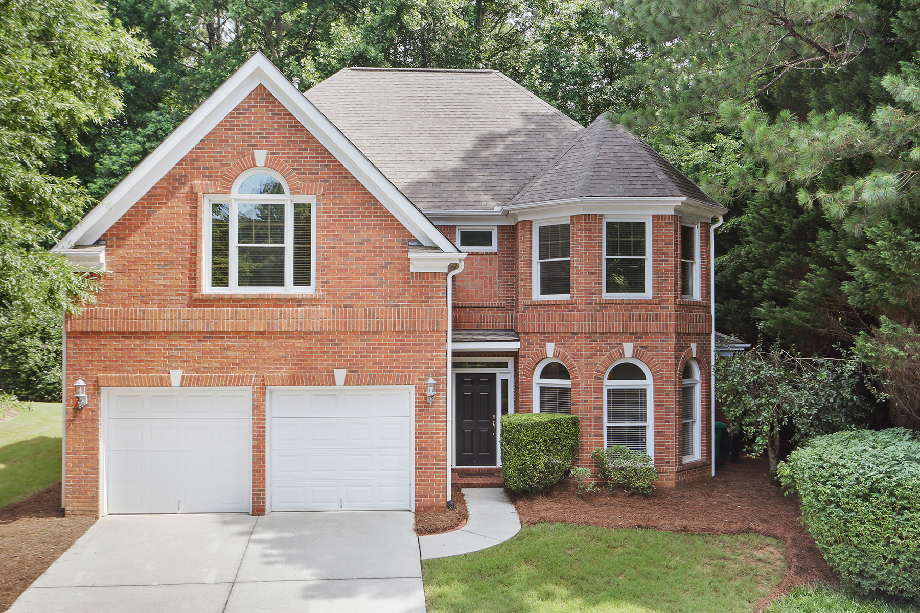 Single Family Home for Sale at Lovely Four Sided Brick Home With Open Floor Plan And Master On Main 1950 Northbrooke Lane Dunwoody, Georgia 30338 United States