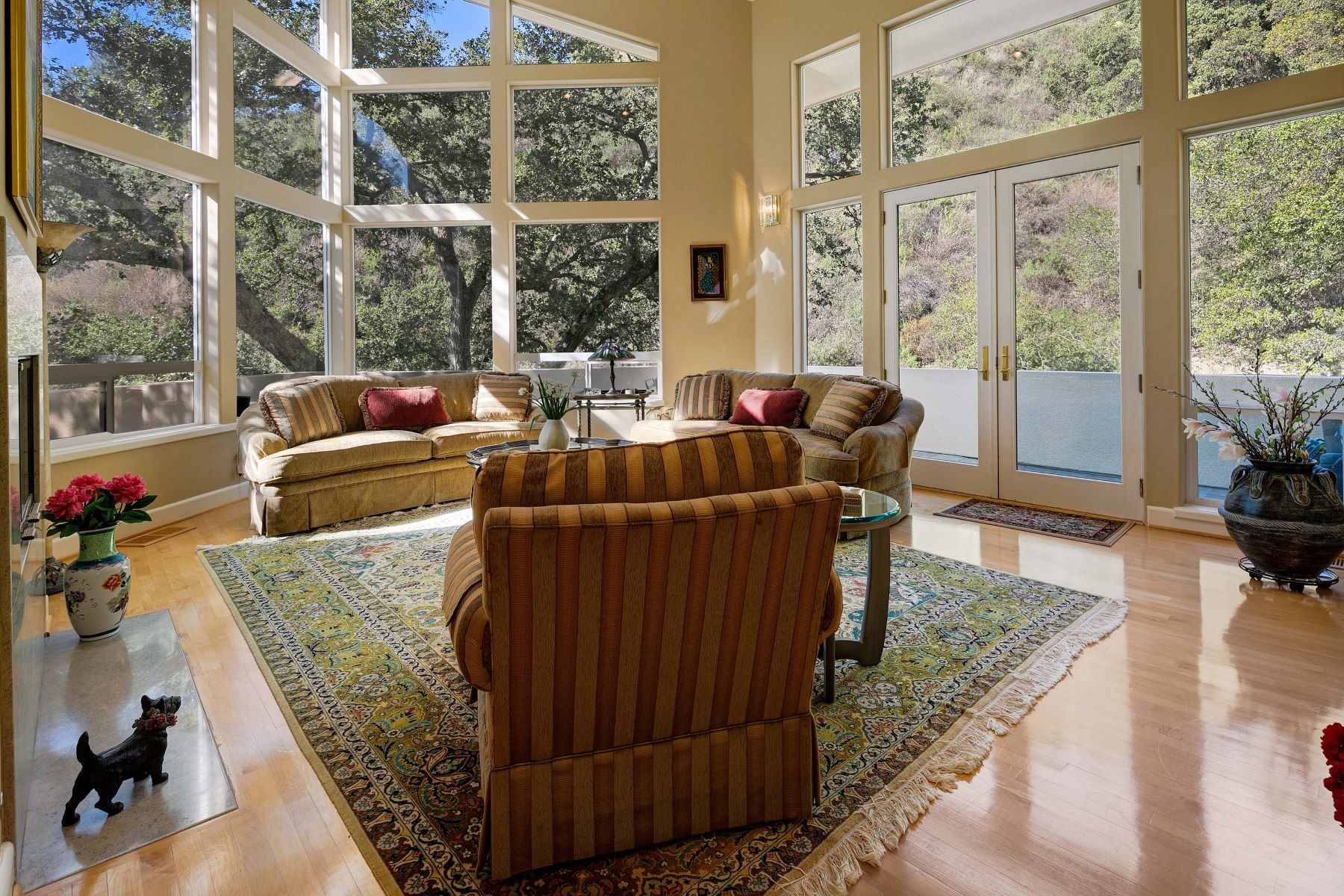 Single Family Homes for Active at Tranquil Roundhill Property 2572 Rolling Hills Court Alamo, California 94507 United States