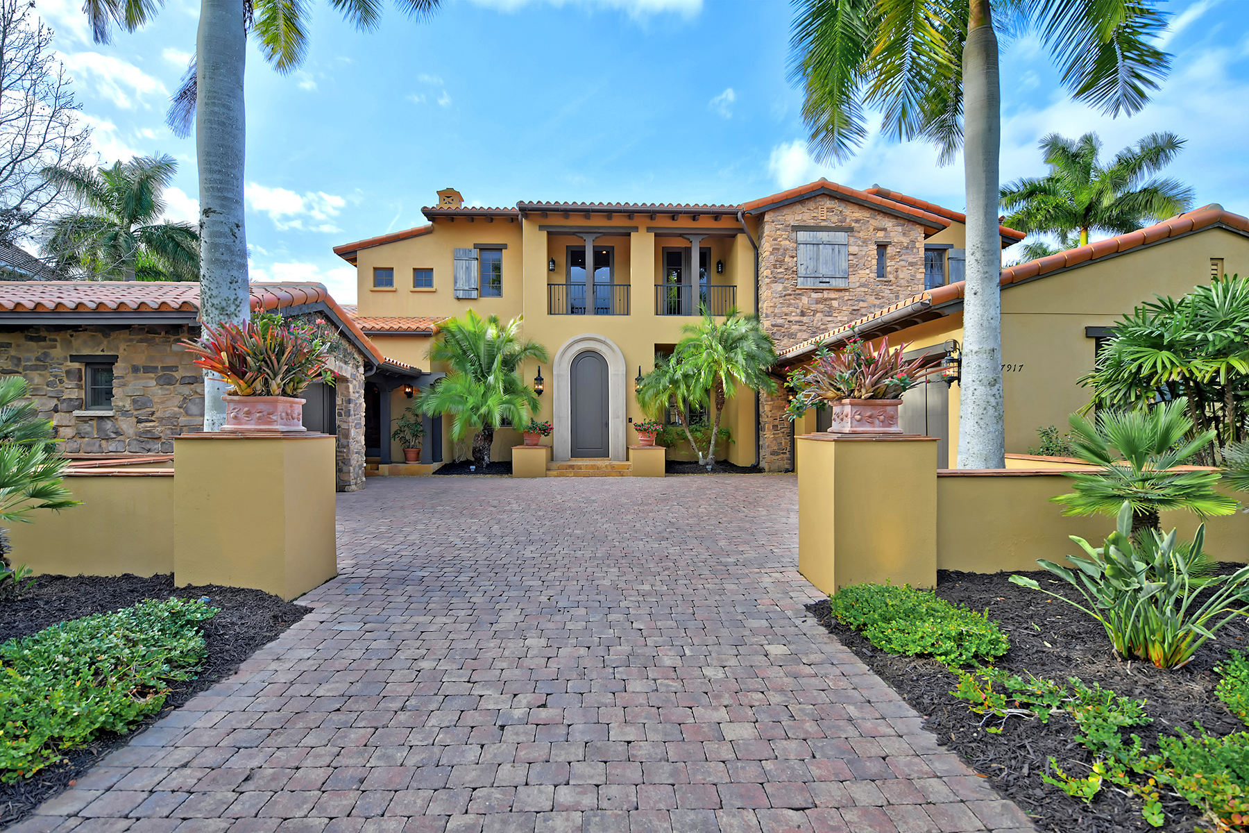 Single Family Homes for Sale at THE LAKE CLUB 7917 Waterton Ln Lakewood Ranch, Florida 34202 United States