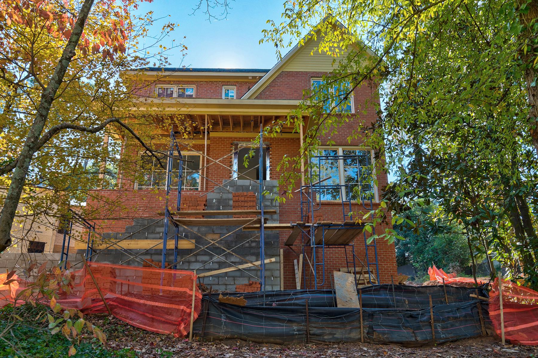 Single Family Homes pour l Vente à Exceptional All Brick New Construction Home by John Willis Custom Homes 1783 Noble Drive NE, Atlanta, Georgia 30306 États-Unis