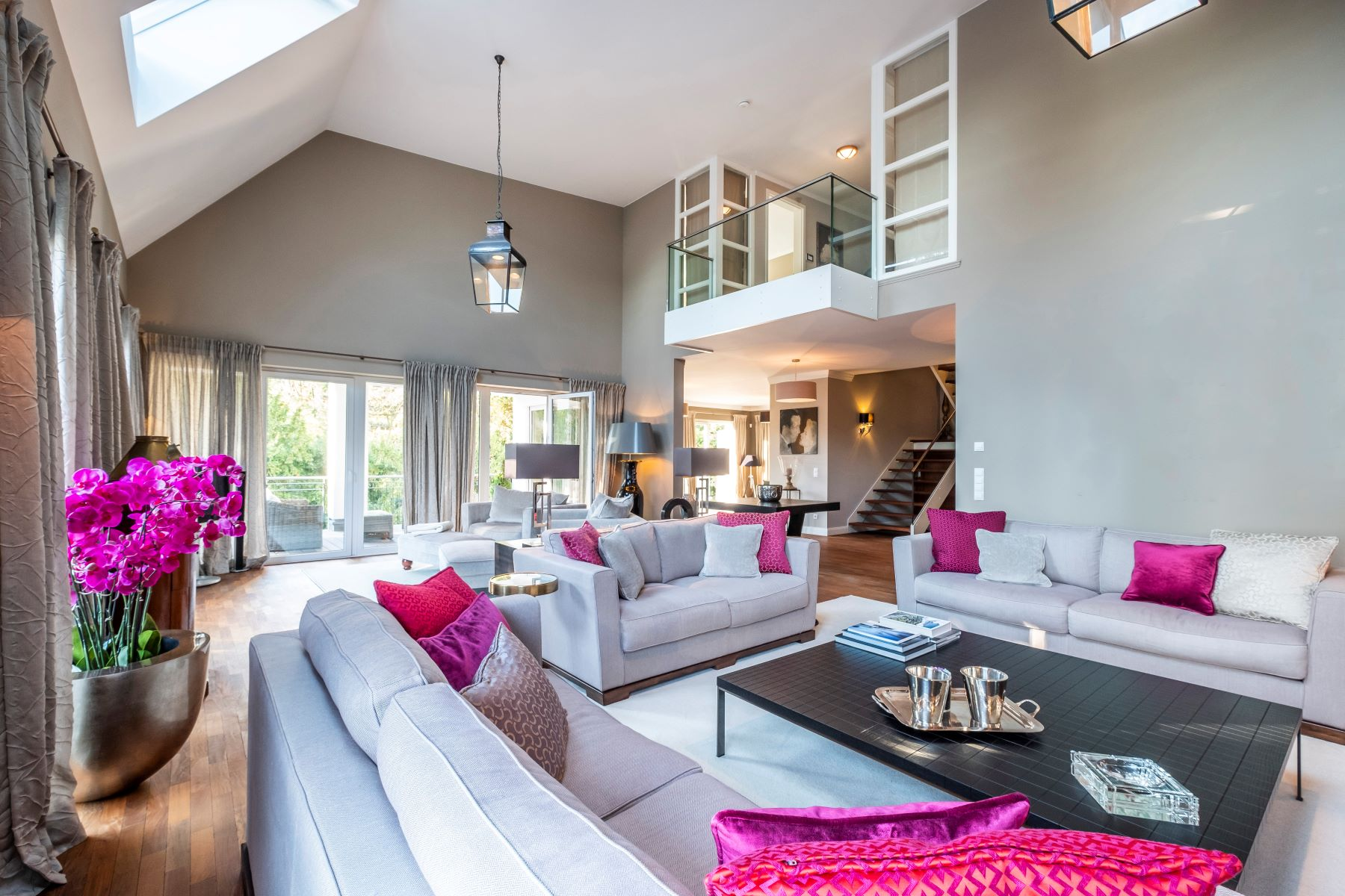 Single Family Homes for Sale at Exclusive living at the boarder of river Elbe Hamburg, Hamburg 22609 Germany