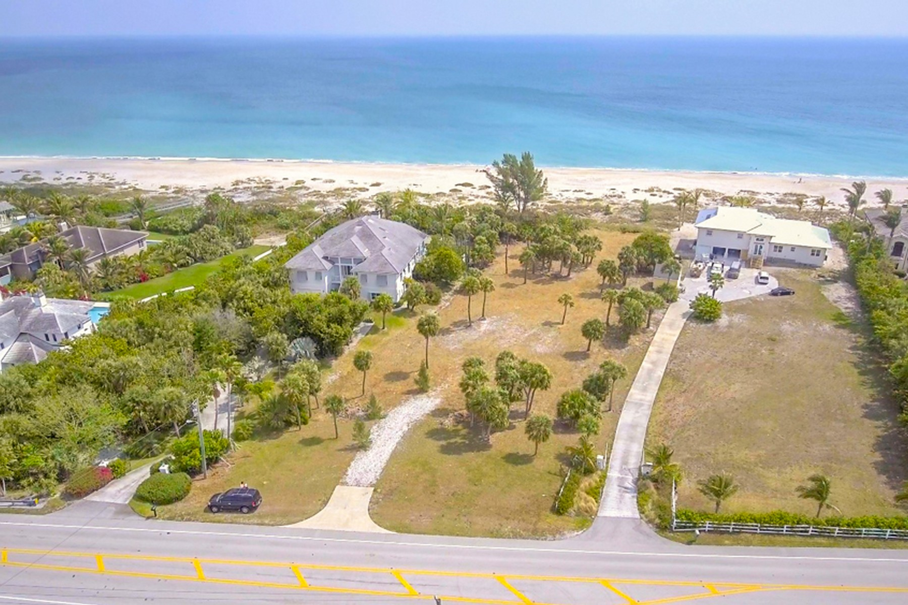 Additional photo for property listing at Outstanding Oceanfront Homesite 6750 N Highway A1A Hutchinson Island, Florida 34950 United States