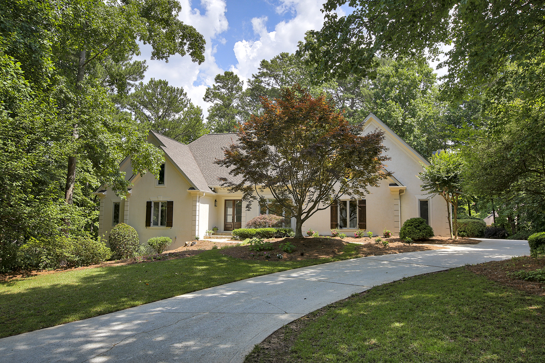 Single Family Home for Sale at Beautifully Remodeled Luxury Ranch In Country Club Of The South On Private Lot 4395 Old Wesleyan Woods Johns Creek, Georgia 30022 United States