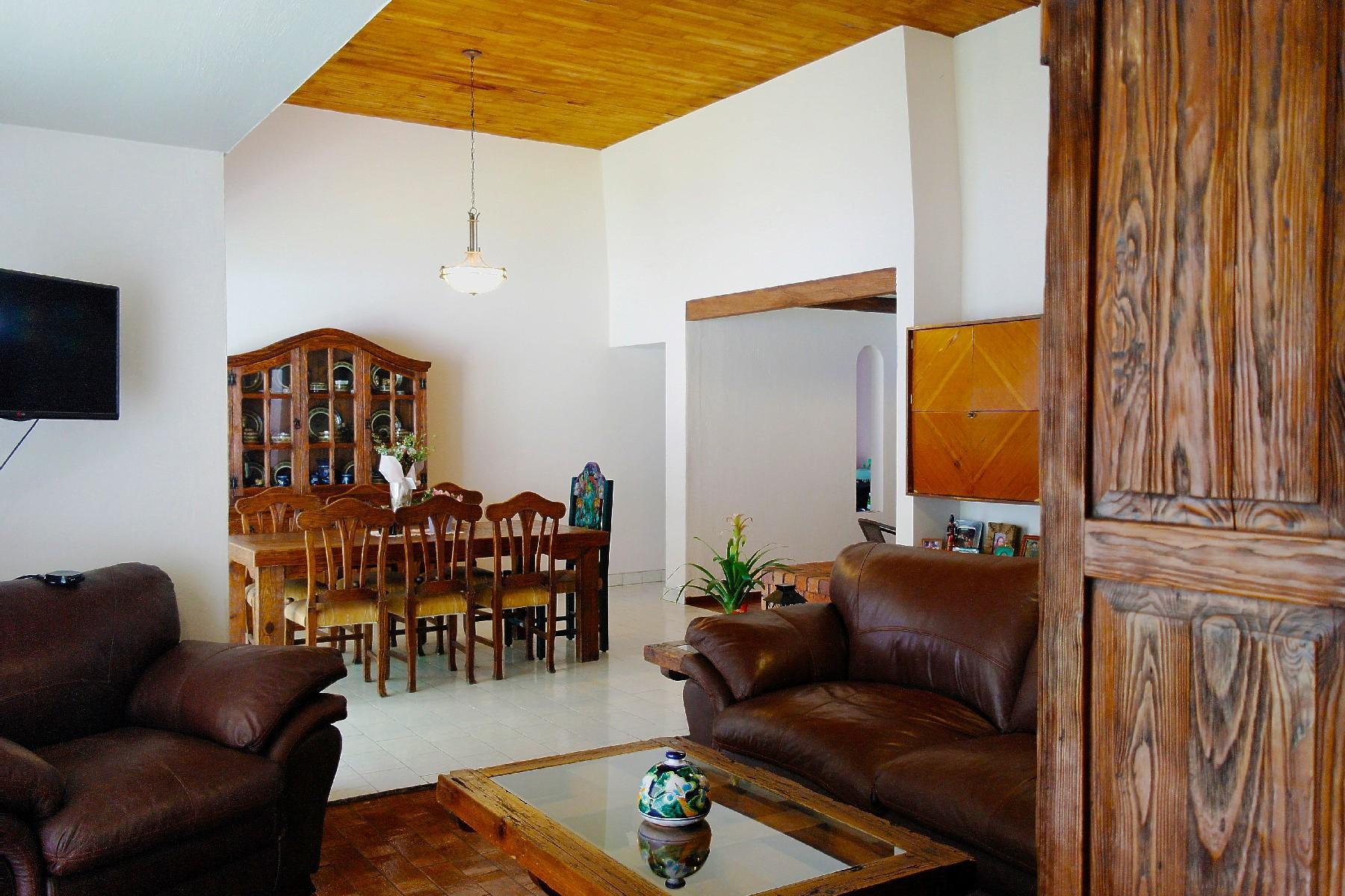 Single Family Homes 용 매매 에 Casa Diamante en Residencial Victoria, Guadalajara Diamante 2790 Guadalajara, Jalisco 44550 멕시코