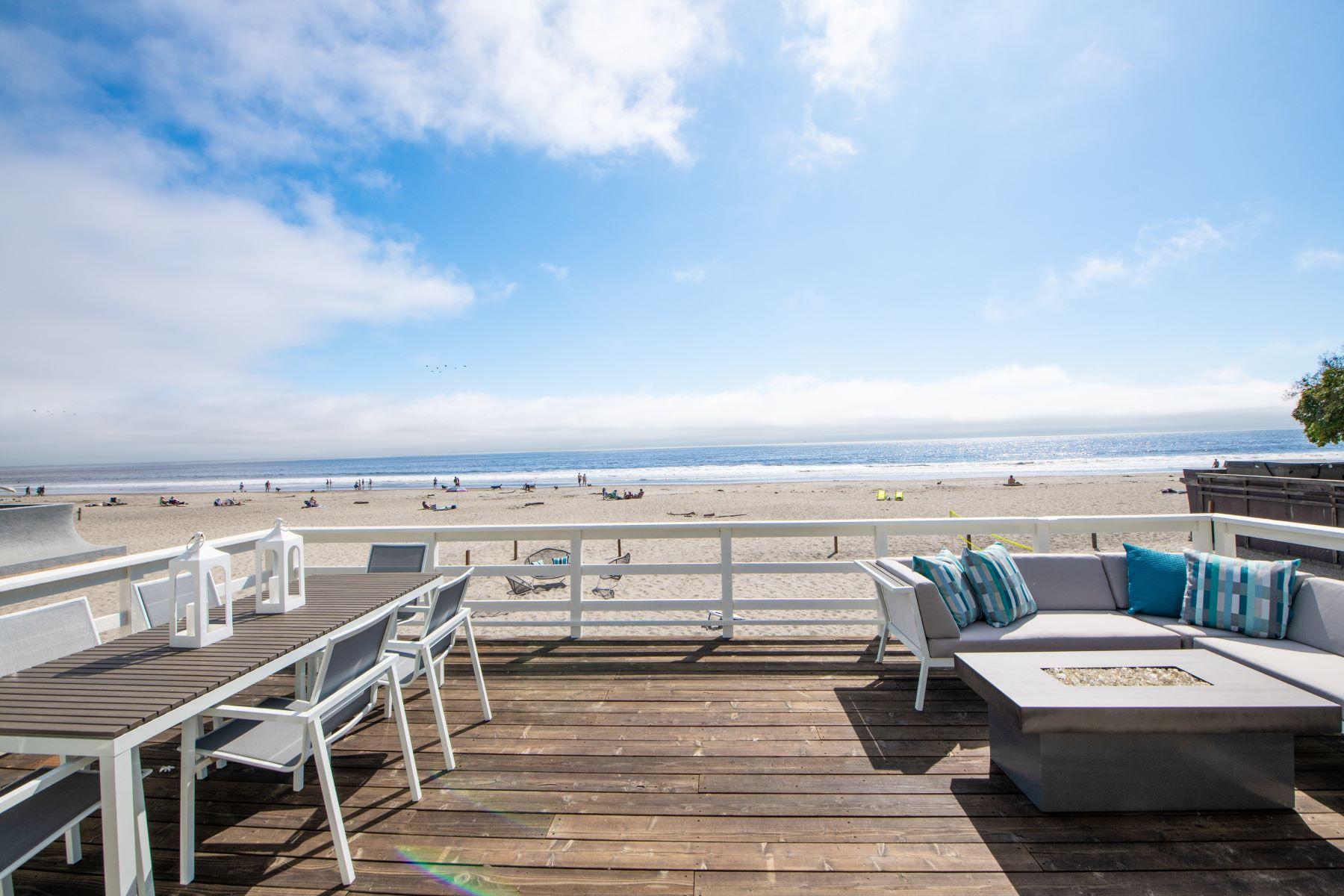 Duplex Homes por un Venta en Prime Beachfront Bungalows 32 Calle del Pradero Stinson Beach, California 94970 Estados Unidos