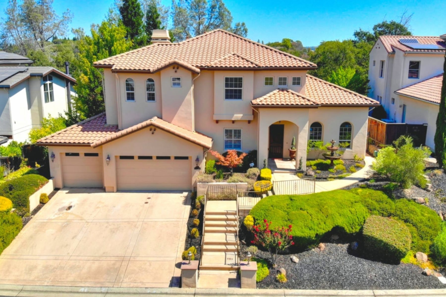 Single Family Homes for Sale at 5025 Coronado Dr. El Dorado Hills 5025 Coronado Dr El Dorado Hills, California 95762 United States