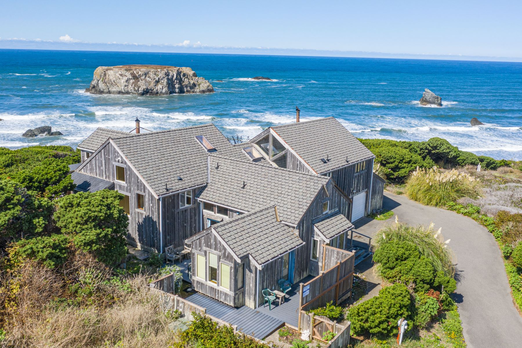 Single Family Homes para Venda às Coquille Point Cliff House 850 Portland Ave, Bandon, Oregon 97411 Estados Unidos