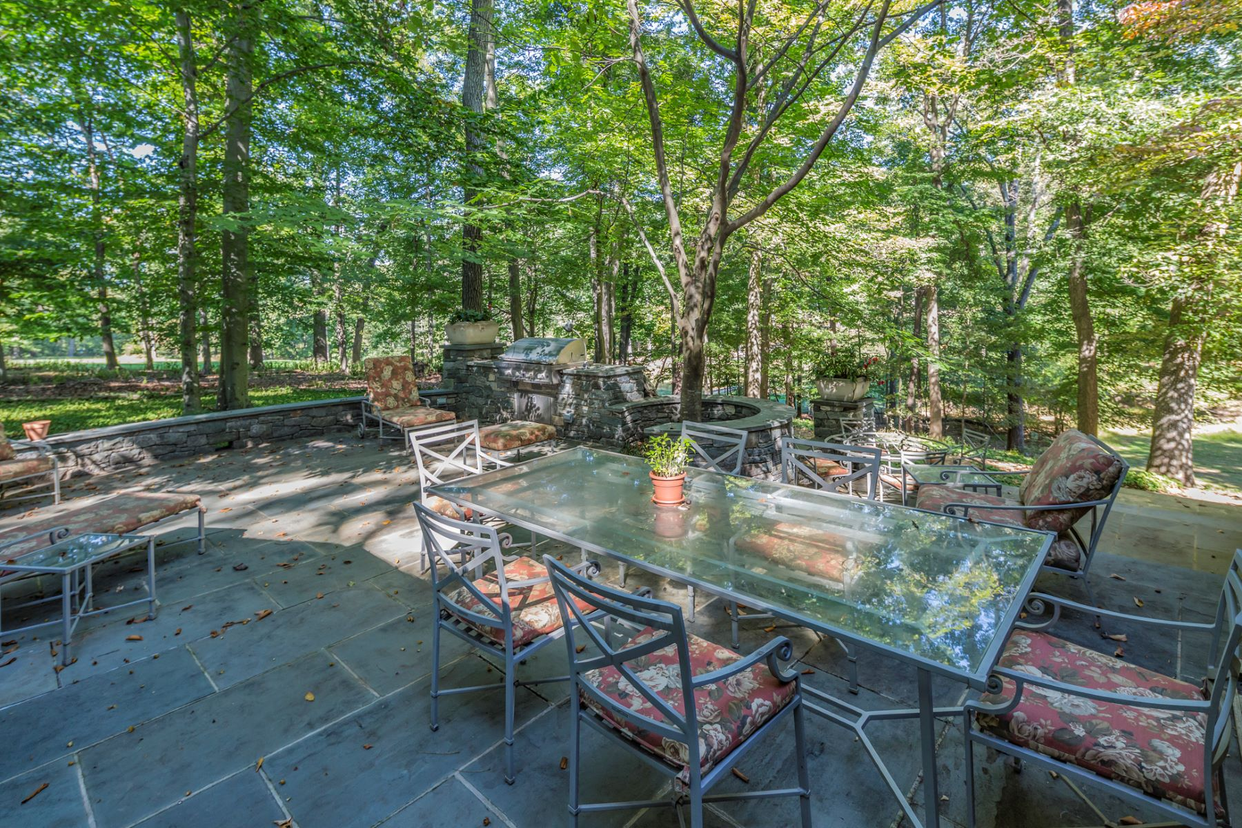 Additional photo for property listing at Designed To Stand The Test Of Time 176 Rolling Hill Road, Skillman, New Jersey 08558 United States