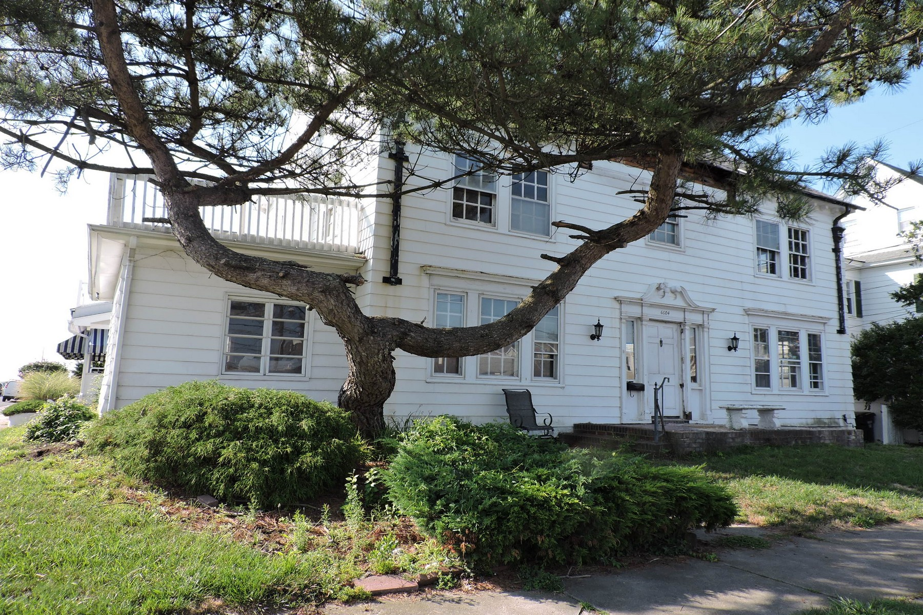 Single Family Home for Sale at 6604 Atlantic Ave BEACHBLOCK Ventnor, New Jersey, 08406 United States
