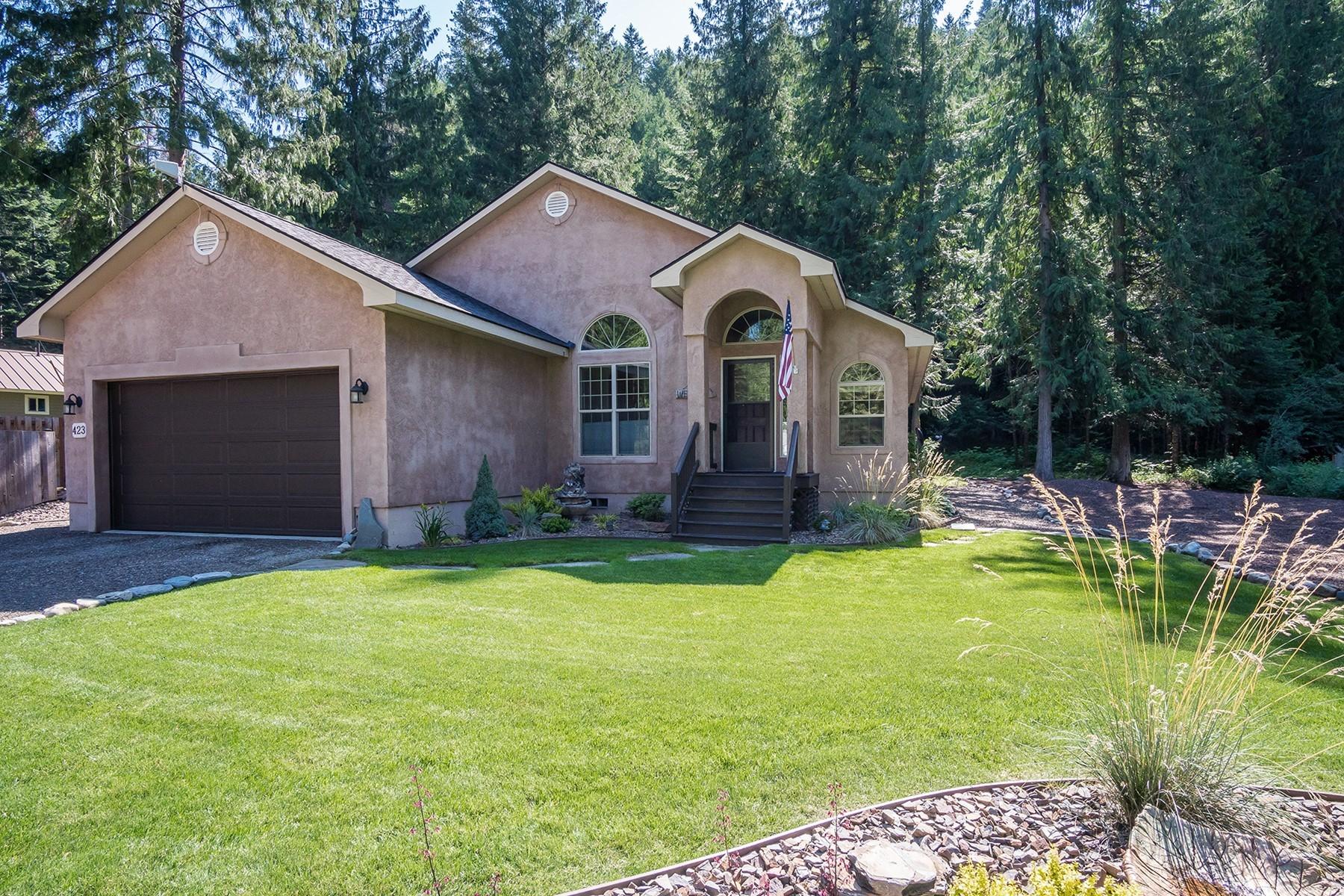 Single Family Homes pour l Vente à Tranquil Mountain Sanctuary 423 Creekside Ln Hope, Idaho 83836 États-Unis