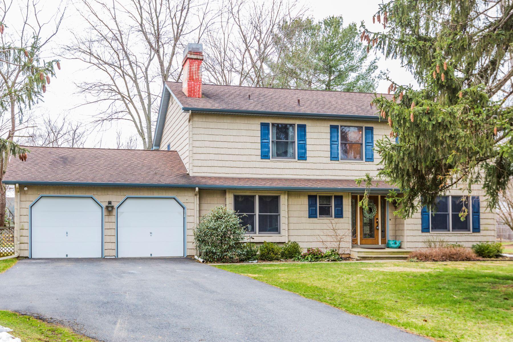 Casa Unifamiliar por un Venta en Sitting Pretty in Carnegie Ridge - South Brunswick Township 4 Spruce Lane Princeton, Nueva Jersey, 08540 Estados Unidos