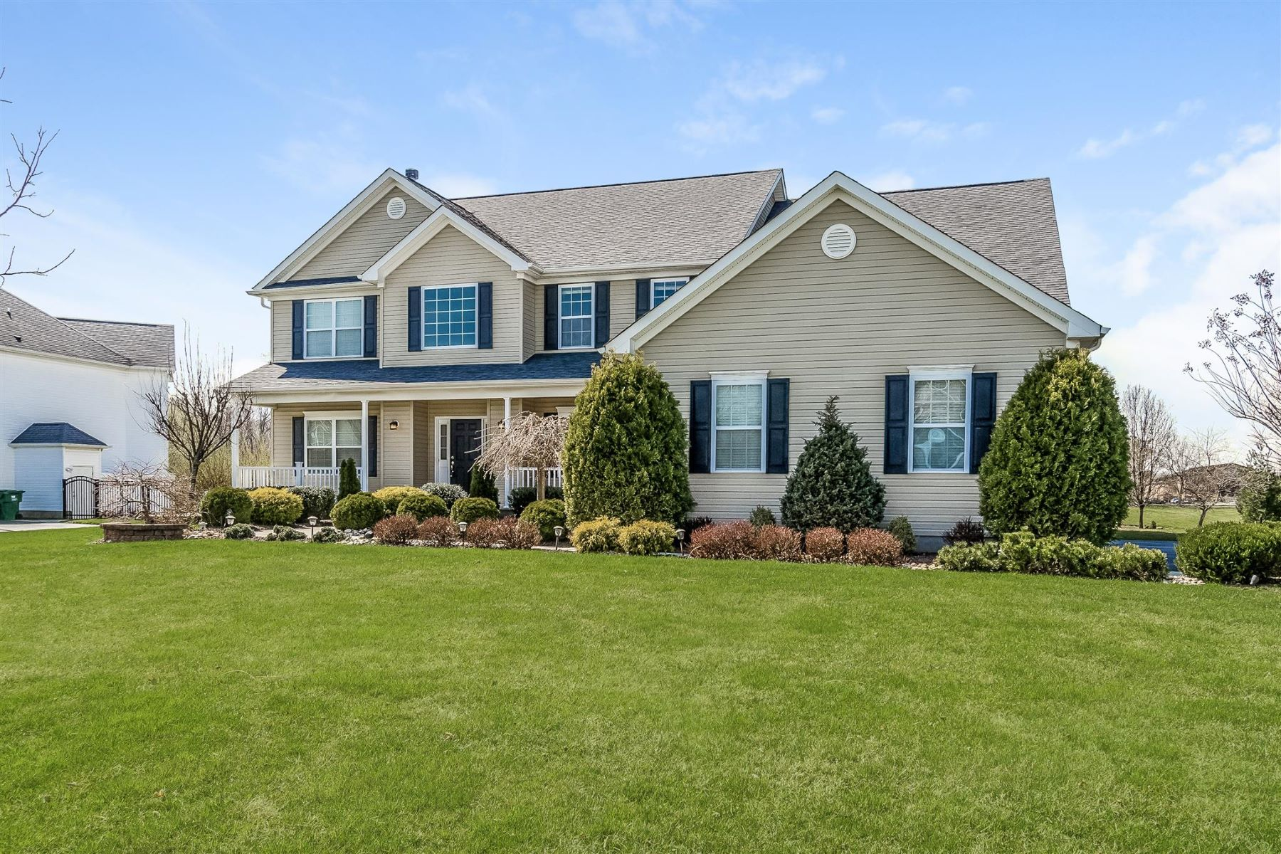 Single Family Homes for Sale at Spacious Expanded Driftwood 21 Skeba Drive Monroe Township, New Jersey 08831 United States