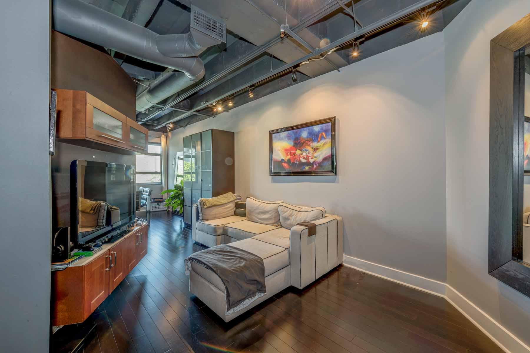 Kat Mülkiyeti için Satış at Renovated Midtown Loft 878 Peachtree Street NE Unit 427 Atlanta, Georgia, 30309 Amerika Birleşik Devletleri