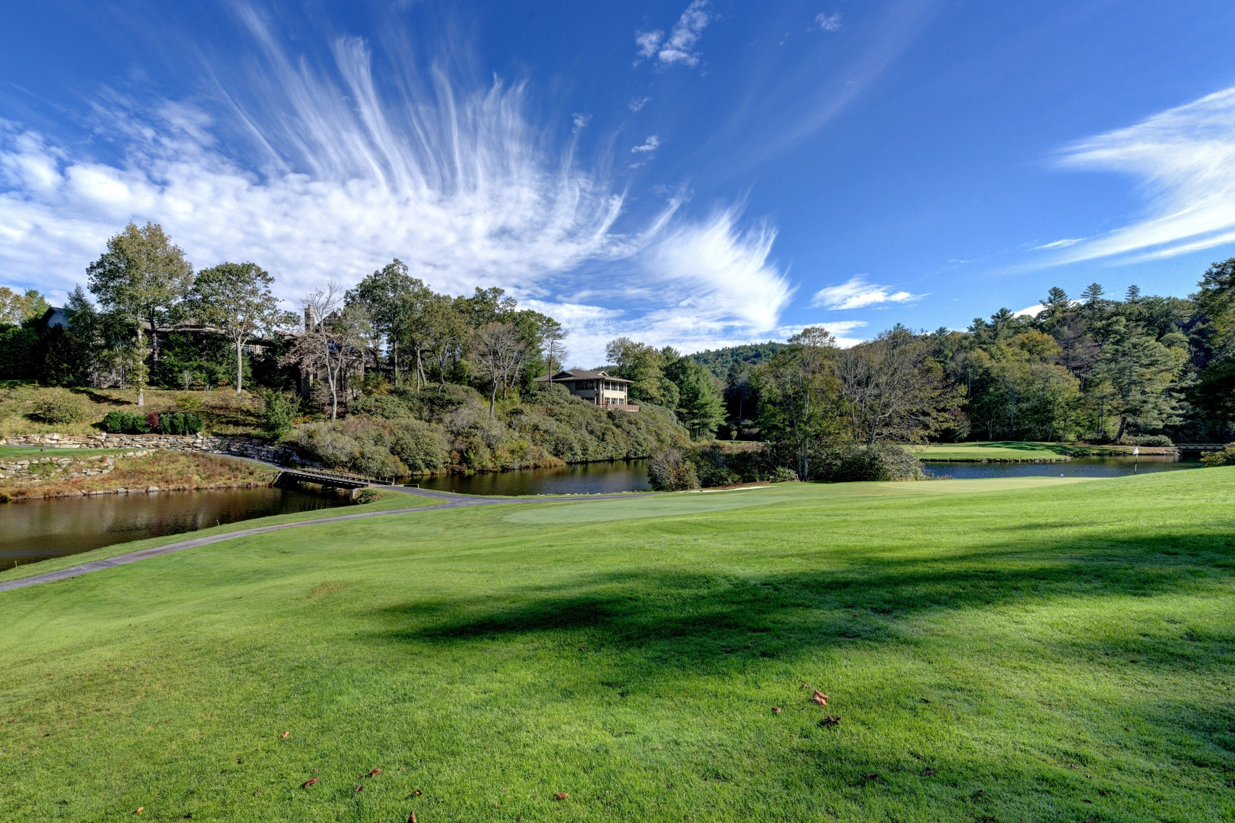 Single Family Home for Sale at 40 Lake Villa Court, Highlands Falls Country Club Highlands, North Carolina, 28741 United States