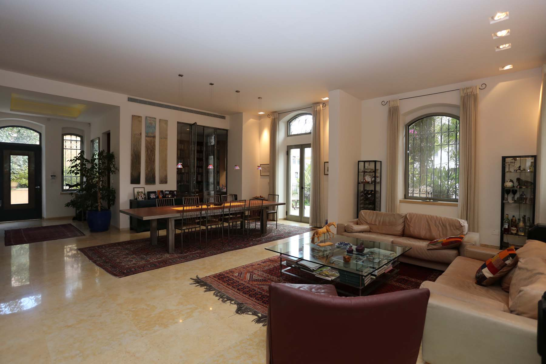 Additional photo for property listing at Extraordinary Garden Apartment Jerusalem, Israel Israel