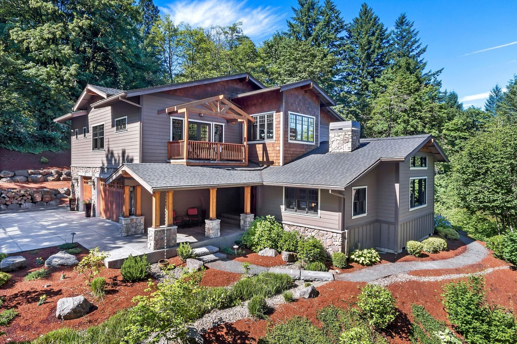 Single Family Homes for Active at 4450 W Burnside Road Portland, Oregon 97210 United States