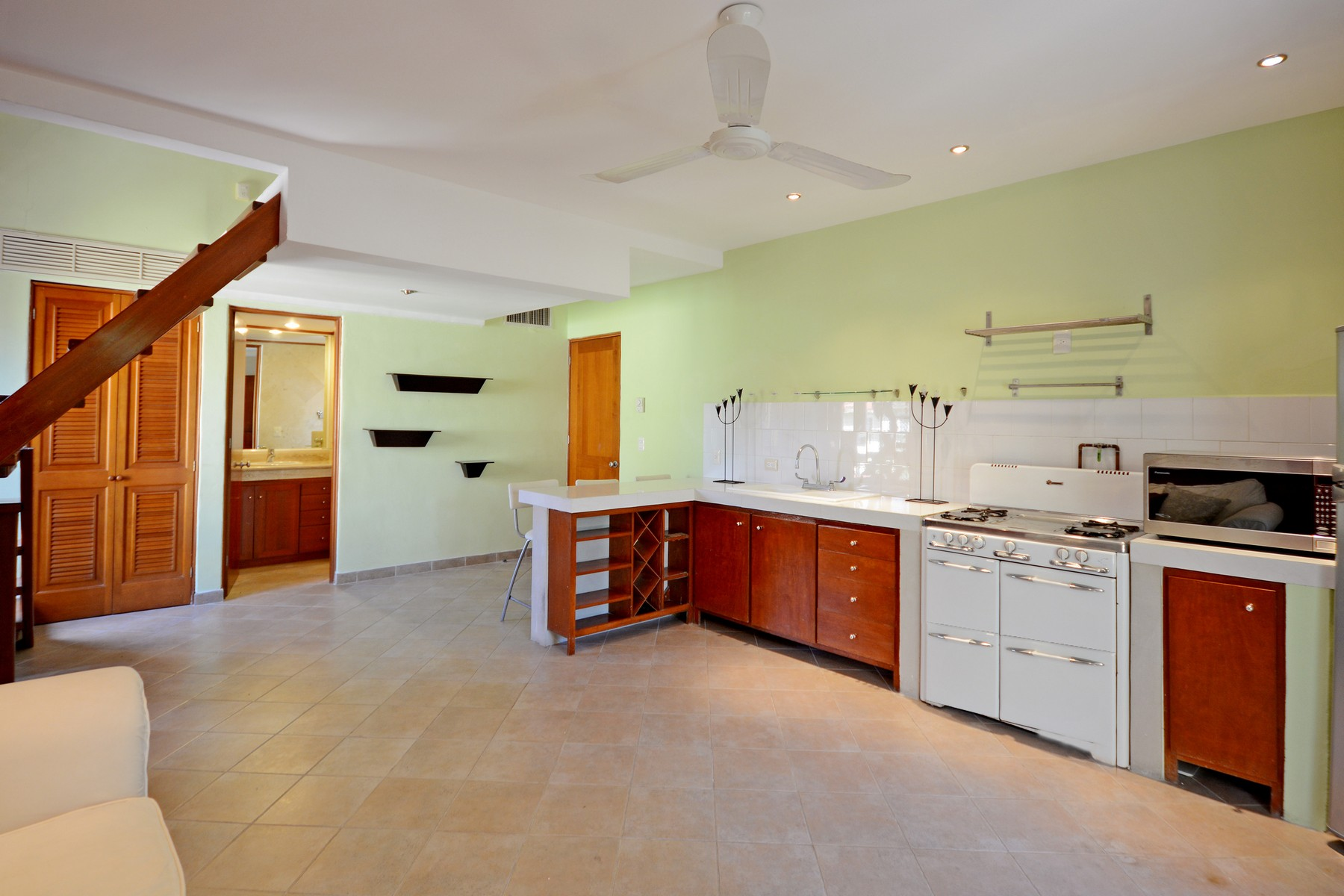 Additional photo for property listing at CASA AMIGOS Avenida Paseo Coba Condominio Hoyo 4, PH #103 Playa Del Carmen, Quintana Roo 77710 Mexico